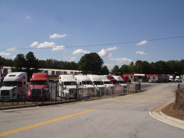 Arrow Truck Sales image 1