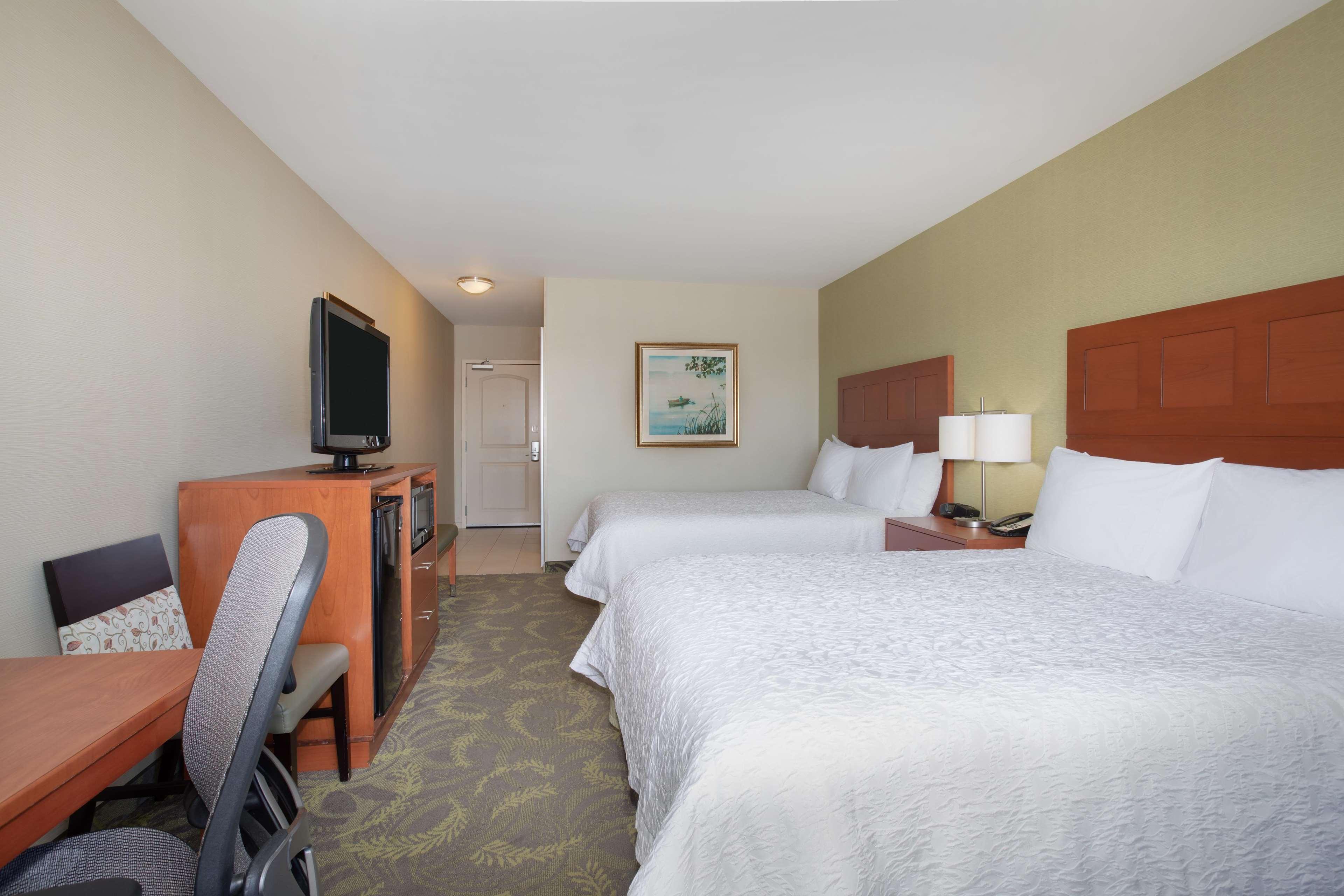 Hampton Inn & Suites Astoria image 55