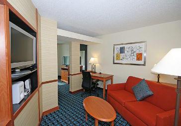 Fairfield Inn & Suites by Marriott Greensboro Wendover image 1