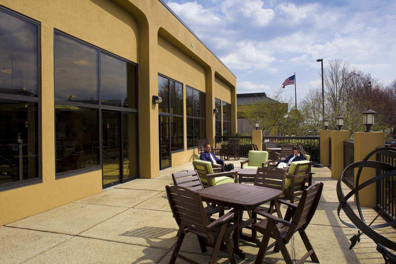 Hampton Inn Asheville I-26 Biltmore Area image 17