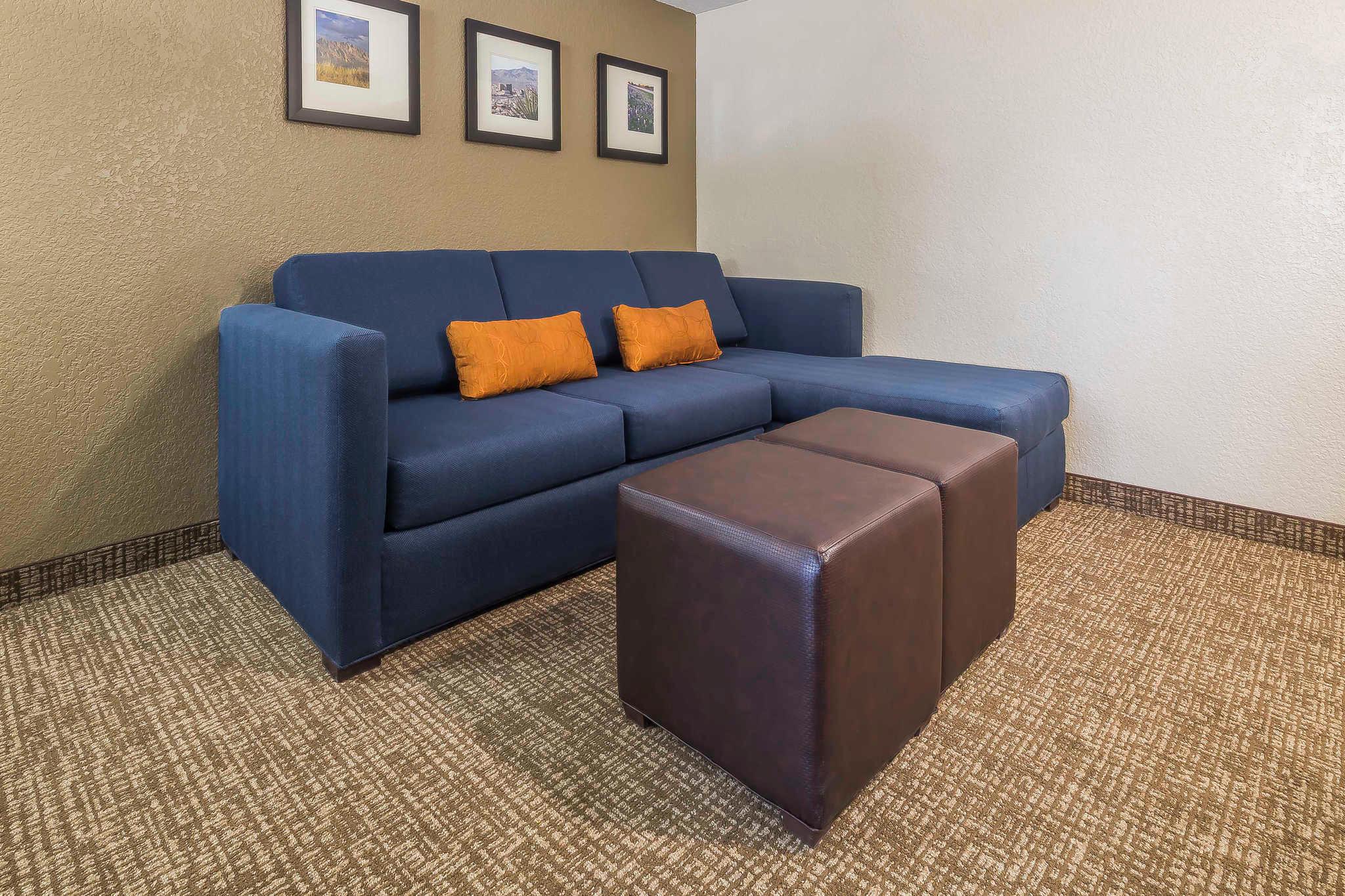 Comfort Suites El Paso Airport image 8