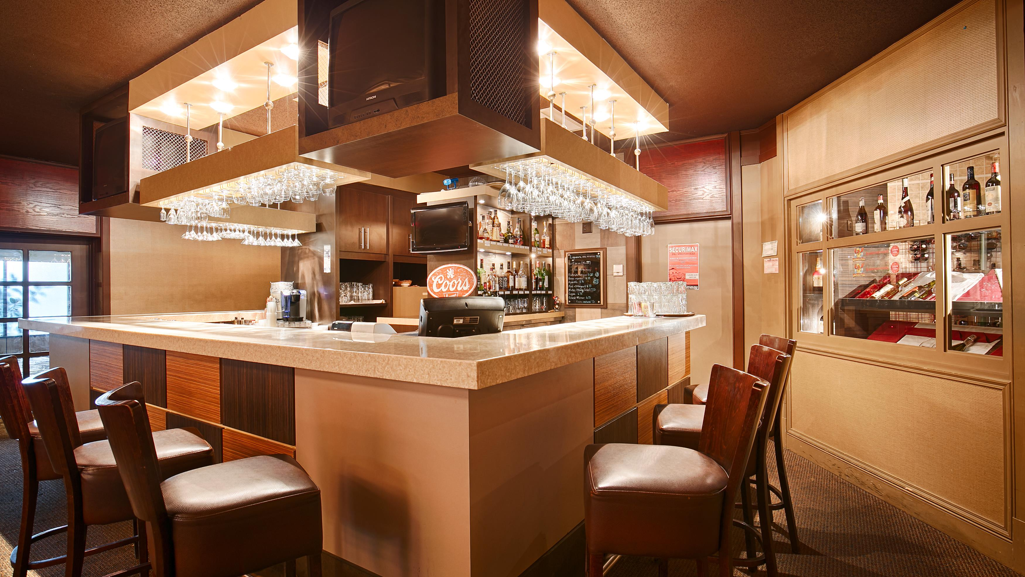 Best Western Hotel Universel Drummondville à Drummondville: Bar El Casino