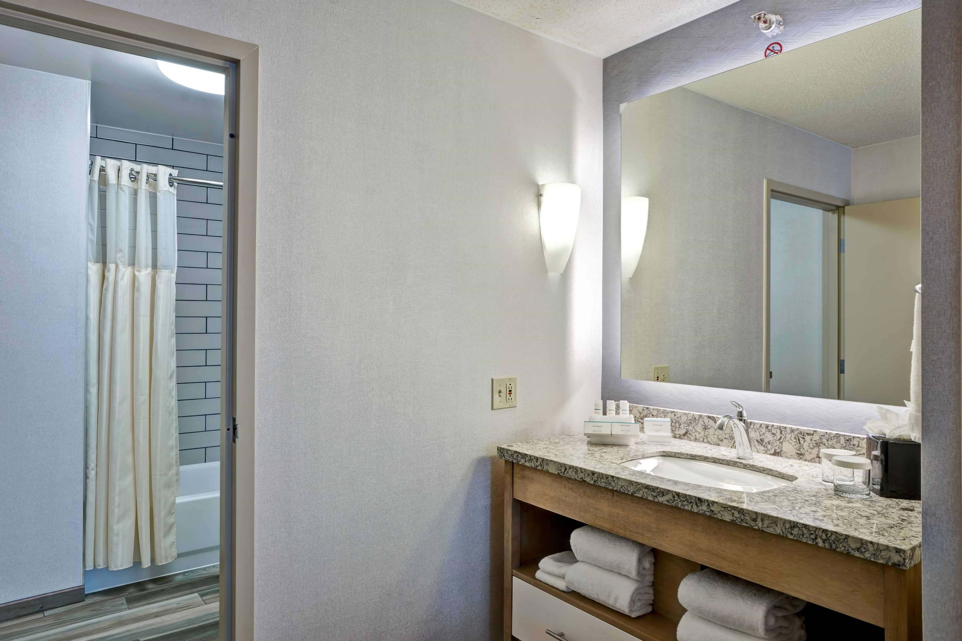 Homewood Suites by Hilton Chicago-Downtown image 24