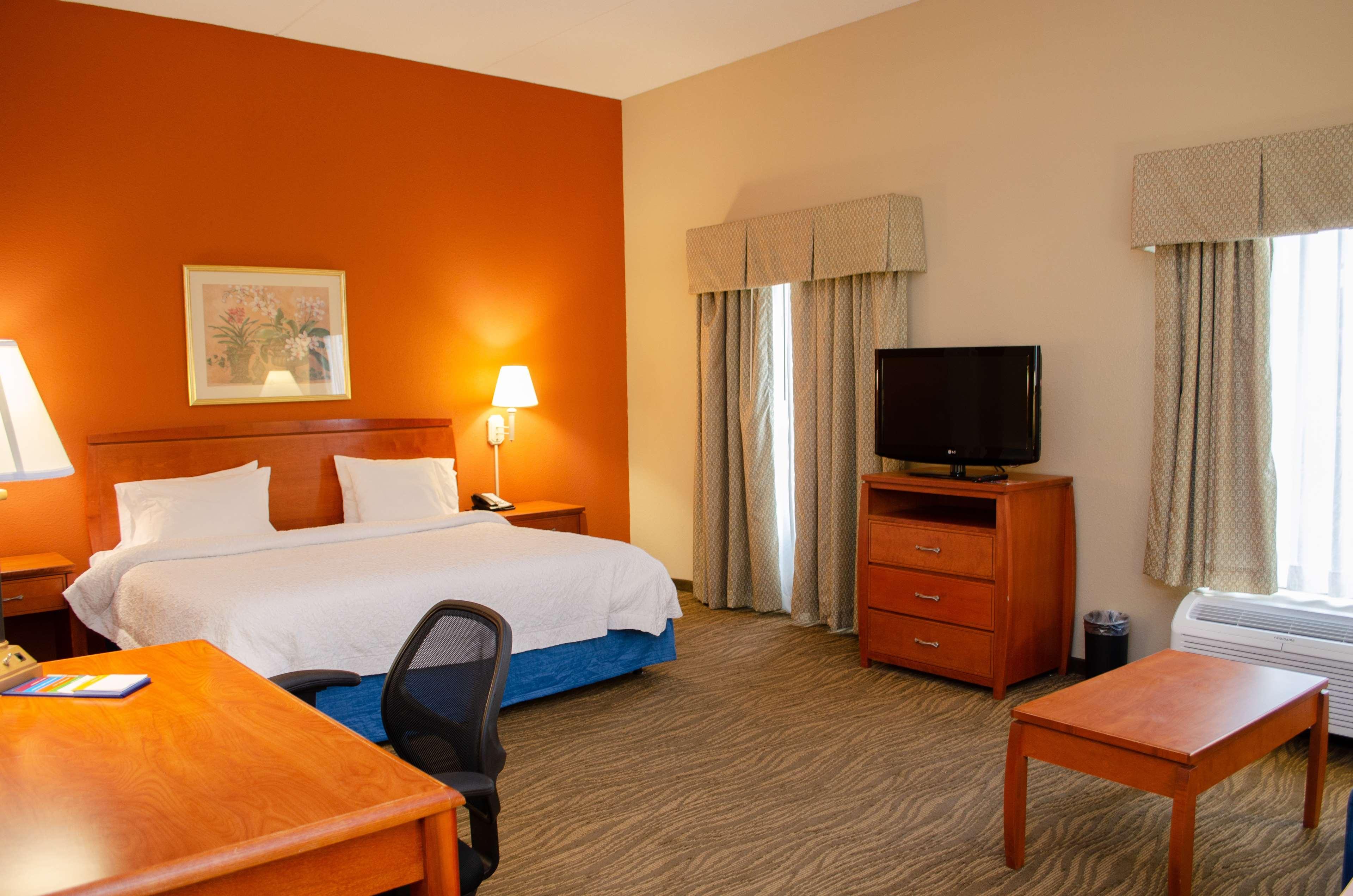 Hampton Inn & Suites Augusta West image 13