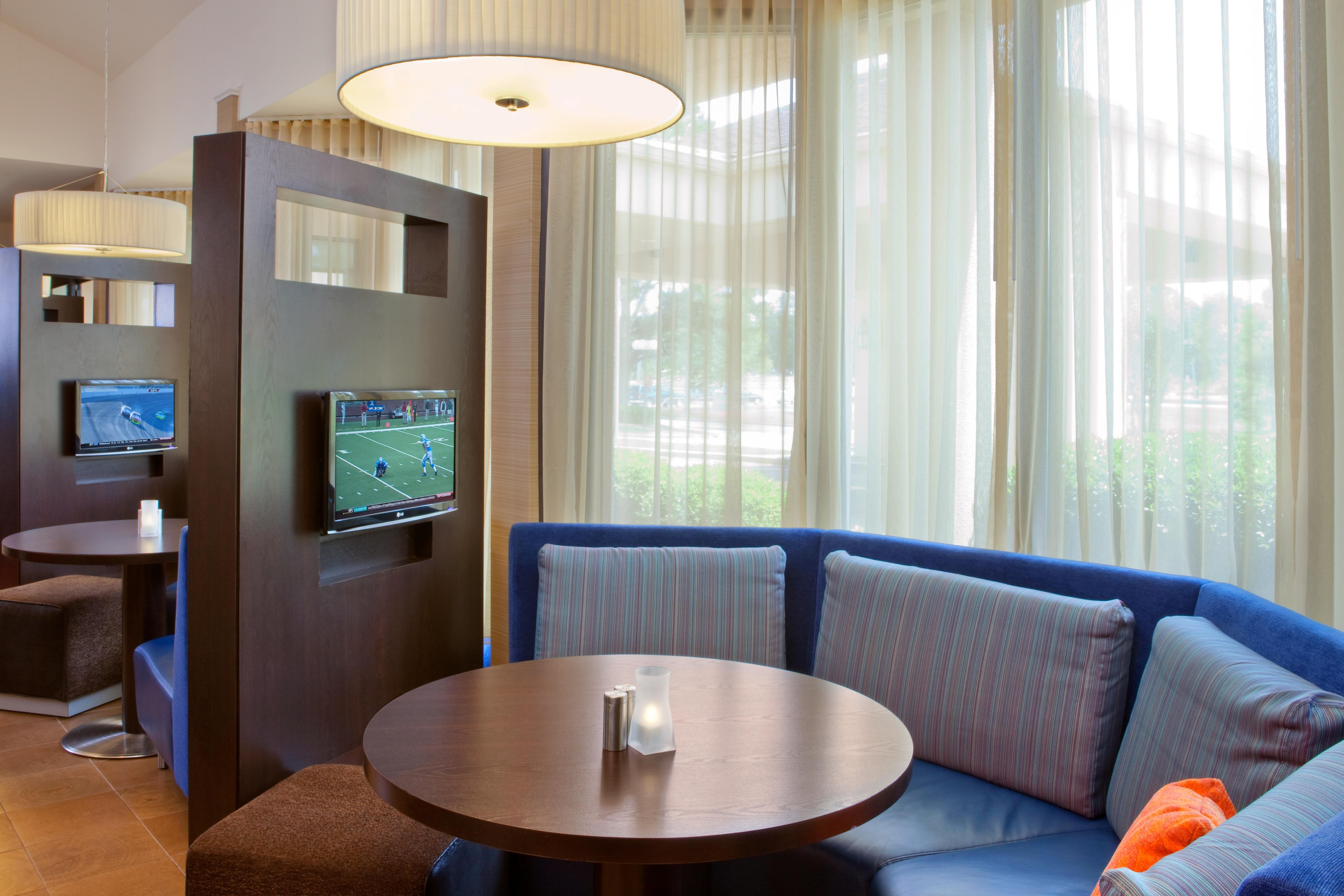 Courtyard by Marriott Columbus image 6