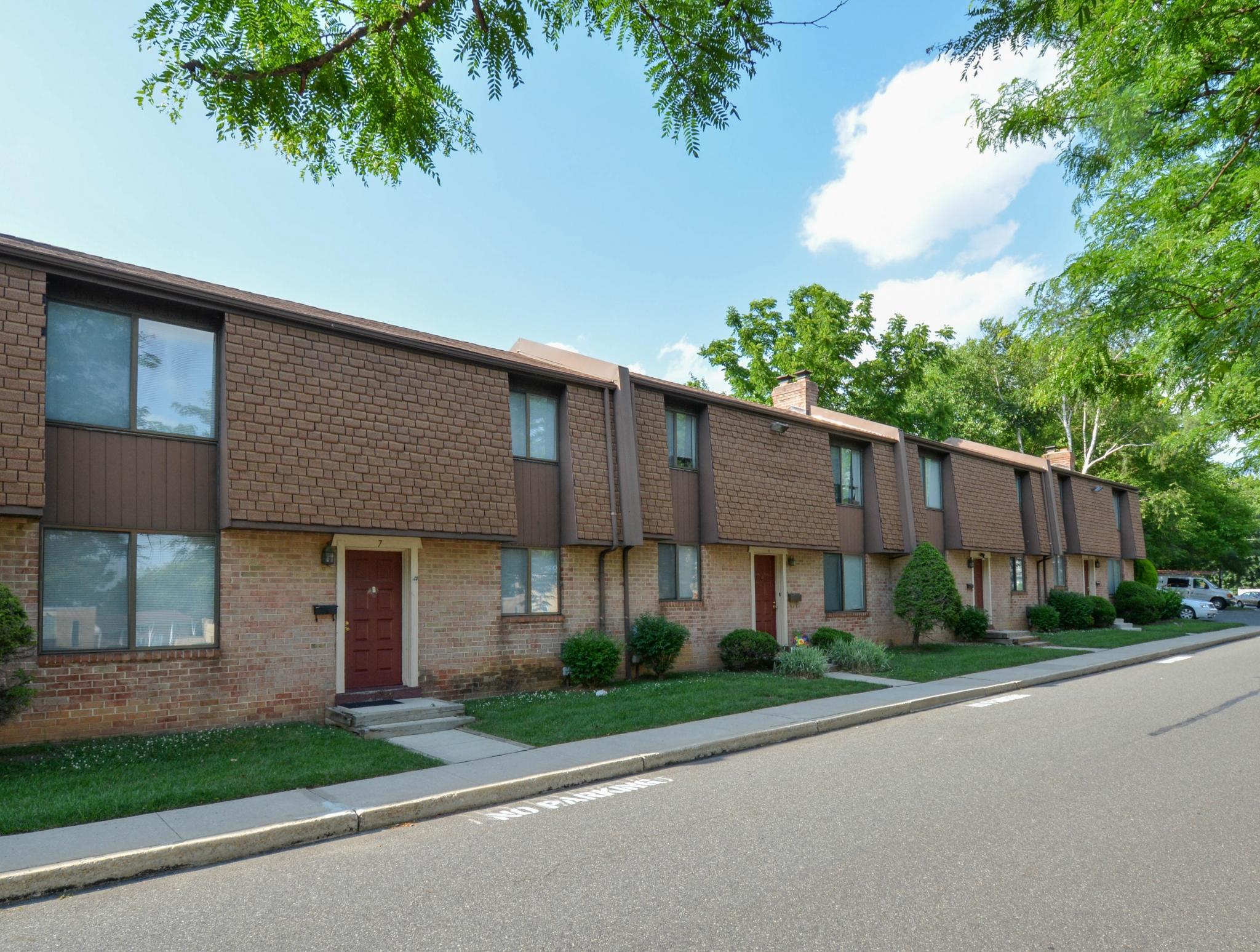 Bishop Hill Apartments Philadelphia