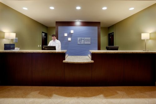Holiday Inn Express & Suites Marble Falls image 3