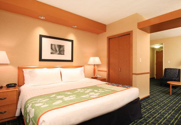 La Mirage Hotel Route  Woodbridge Nj