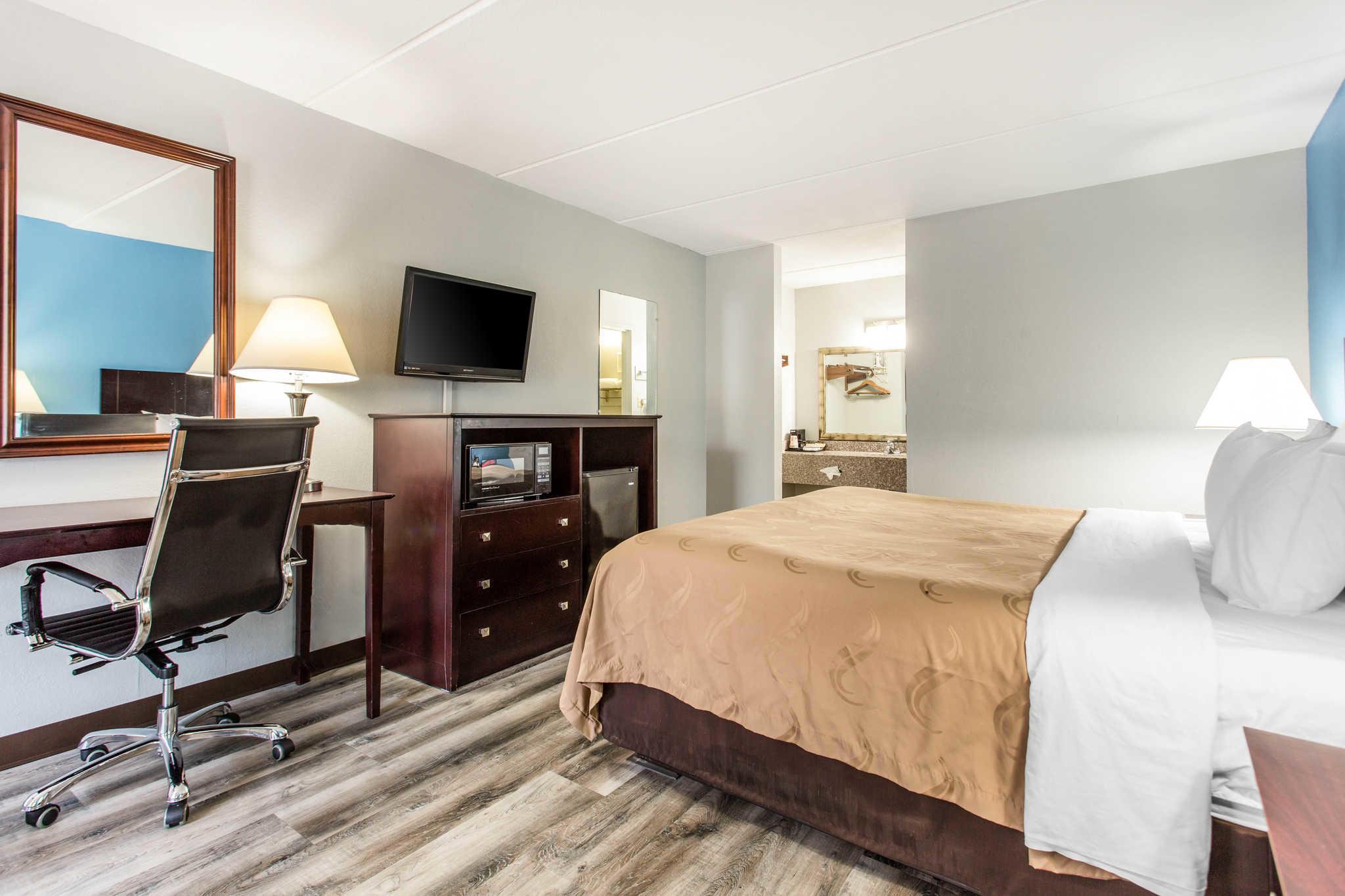 Quality Inn & Suites image 6
