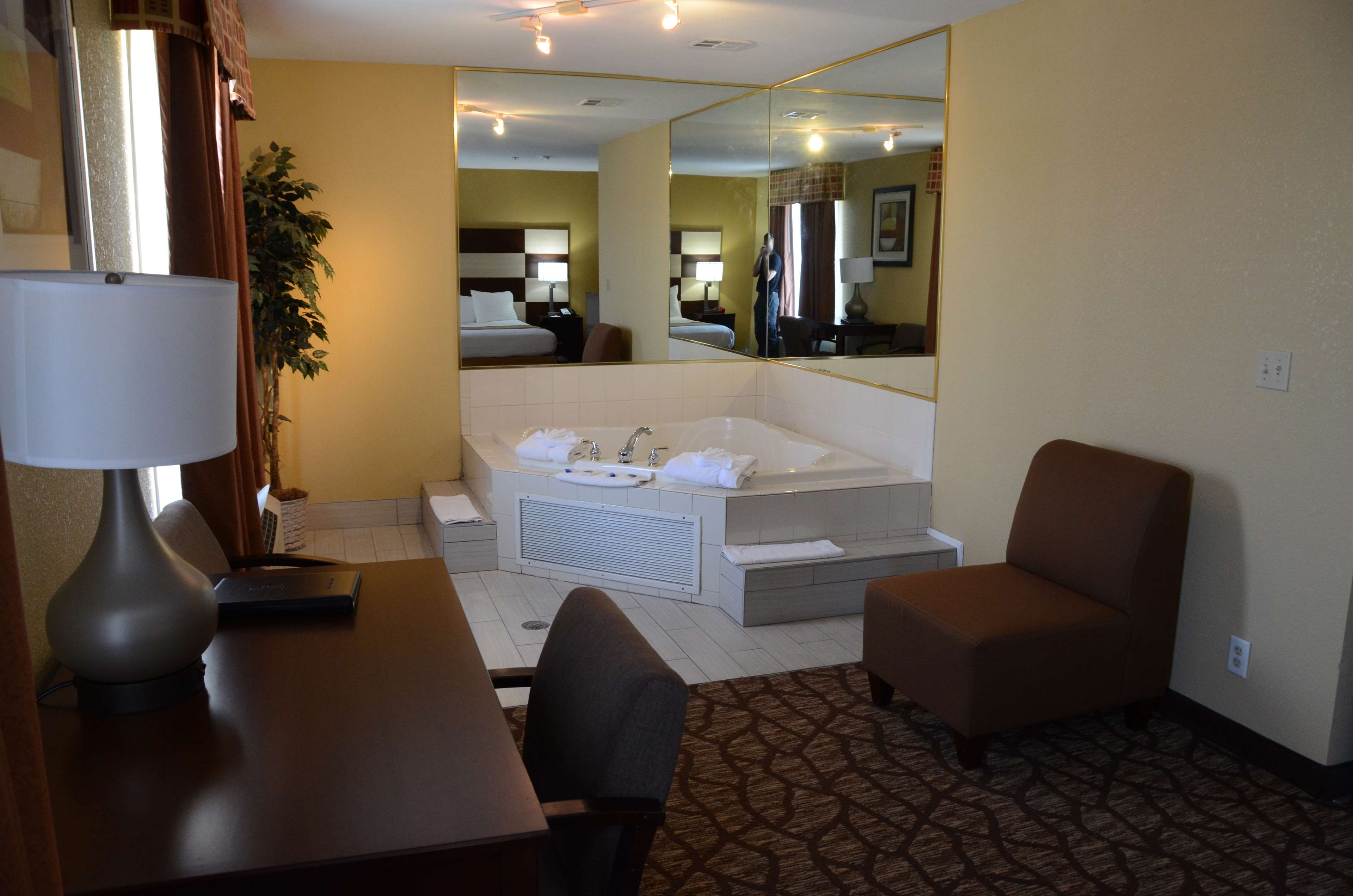 Best Western Joliet Inn & Suites image 24