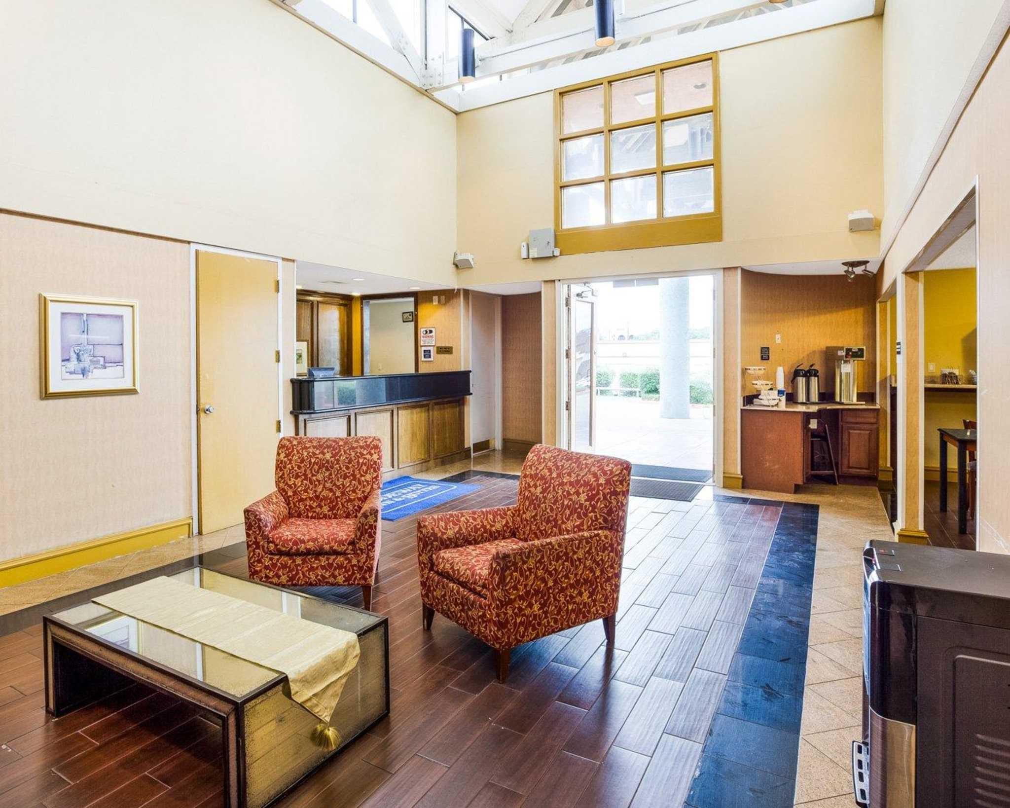 Rodeway Inn & Suites Fiesta Park image 26