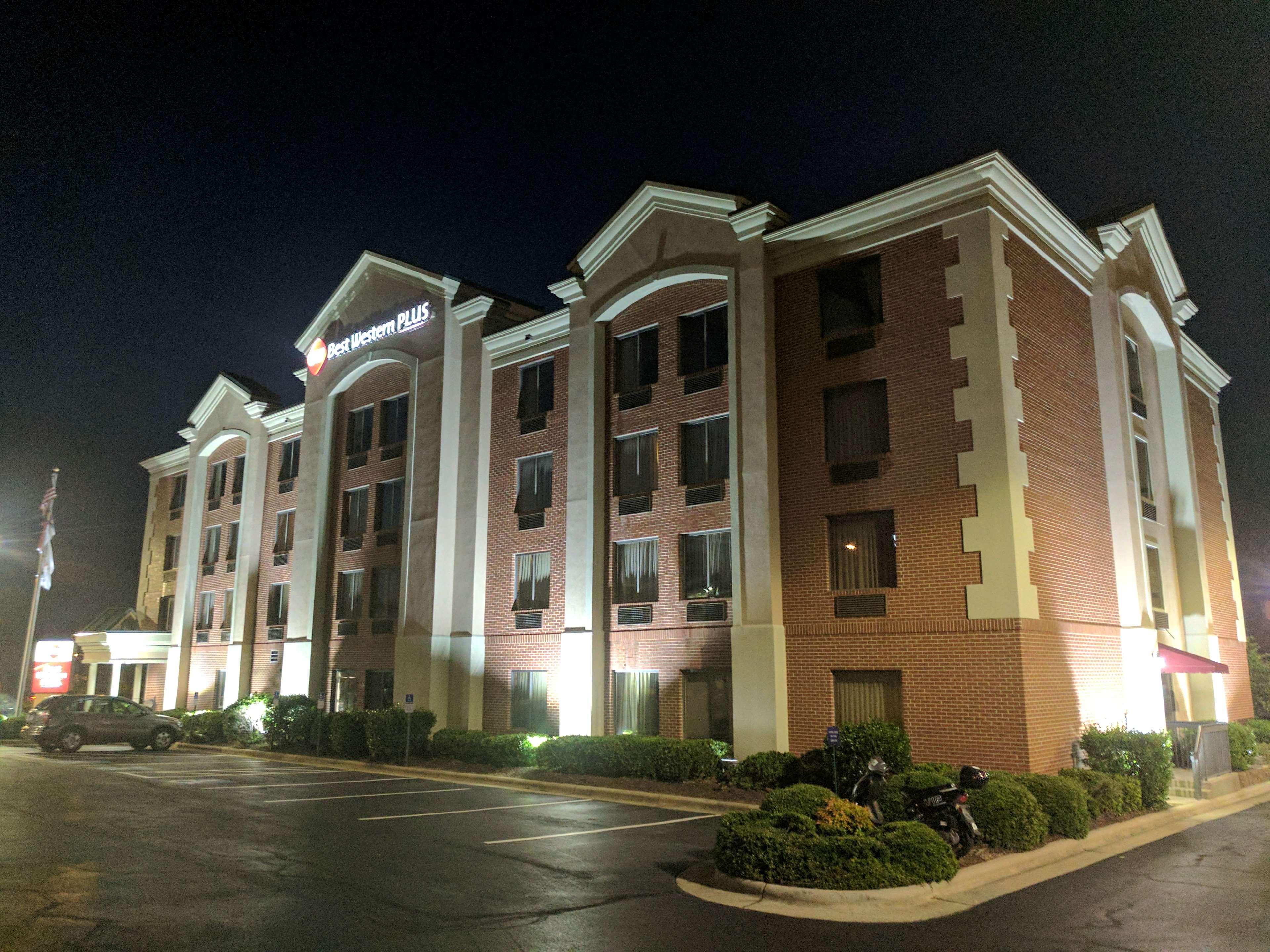 Best Western Plus Greensboro Airport Hotel image 38