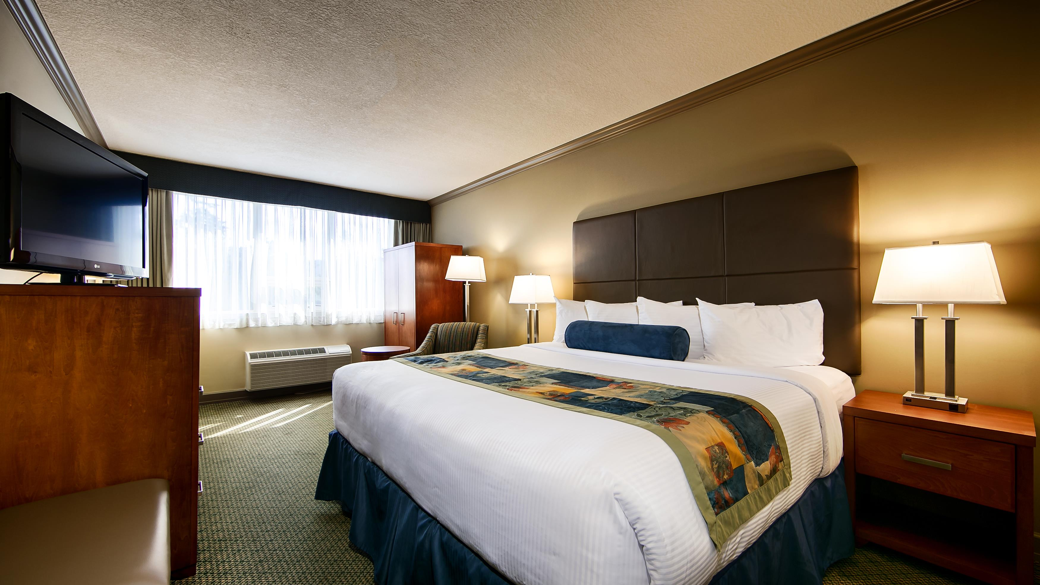 Best Western Plus Barclay Hotel in Port Alberni: King Guest Room