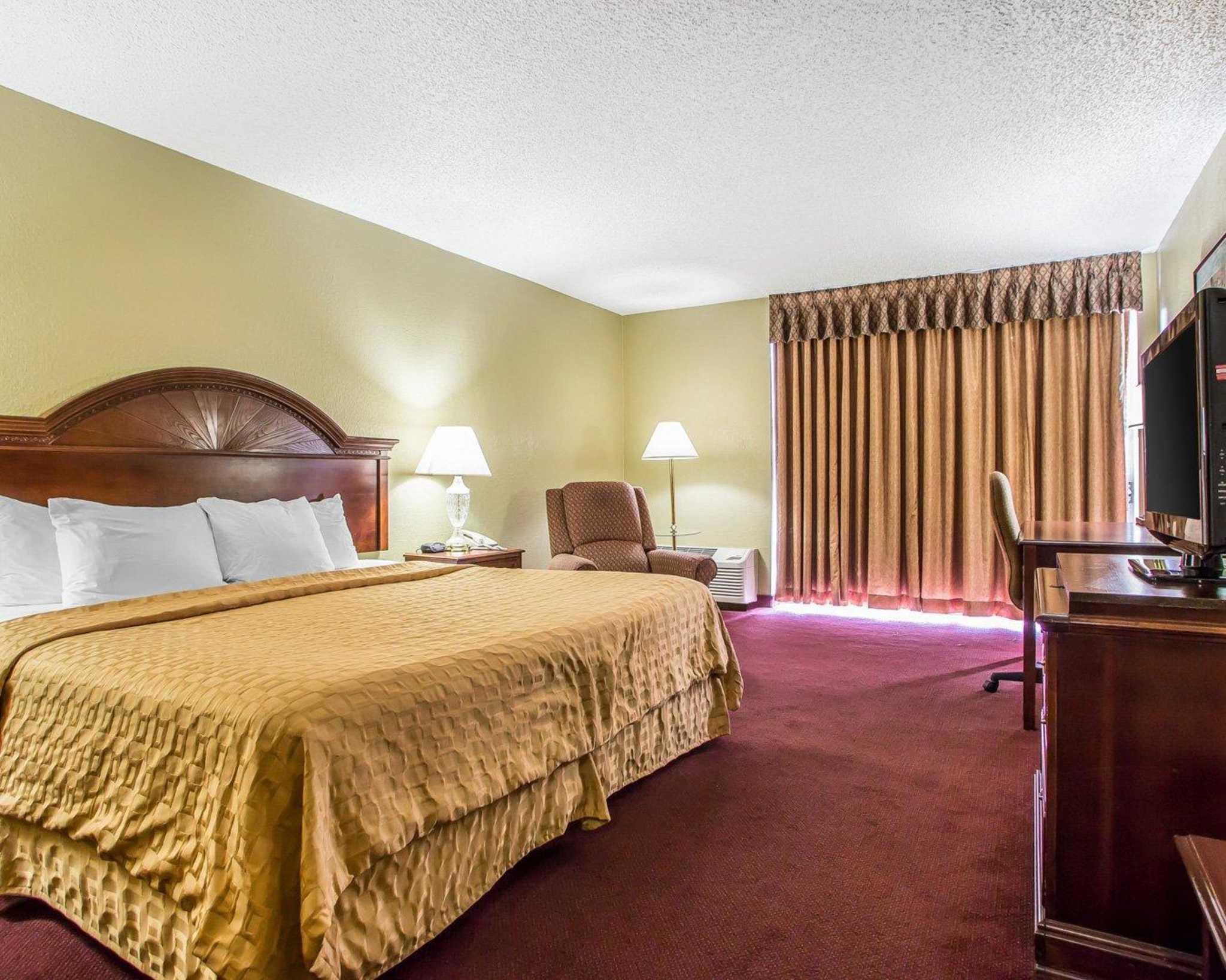 Clarion Hotel Highlander Conference Center image 9
