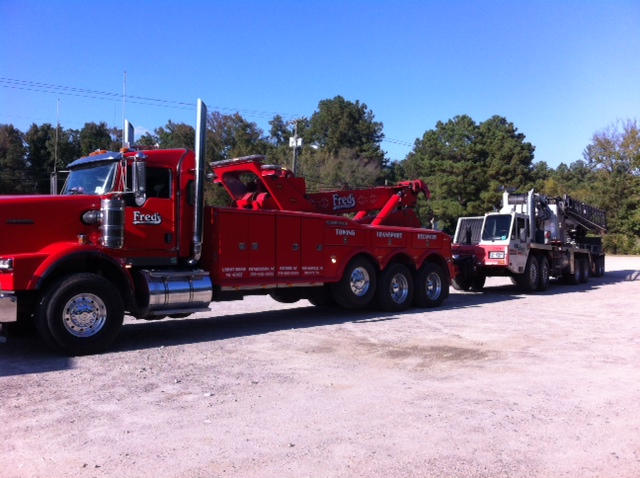 Fred's Towing & Transport image 4