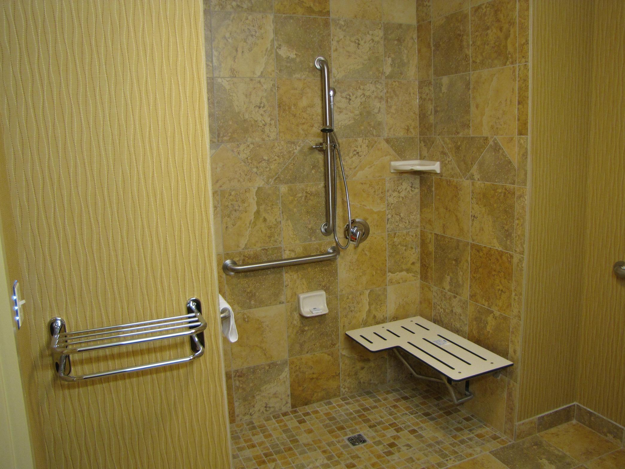 Hampton Inn & Suites Jamestown, ND image 7