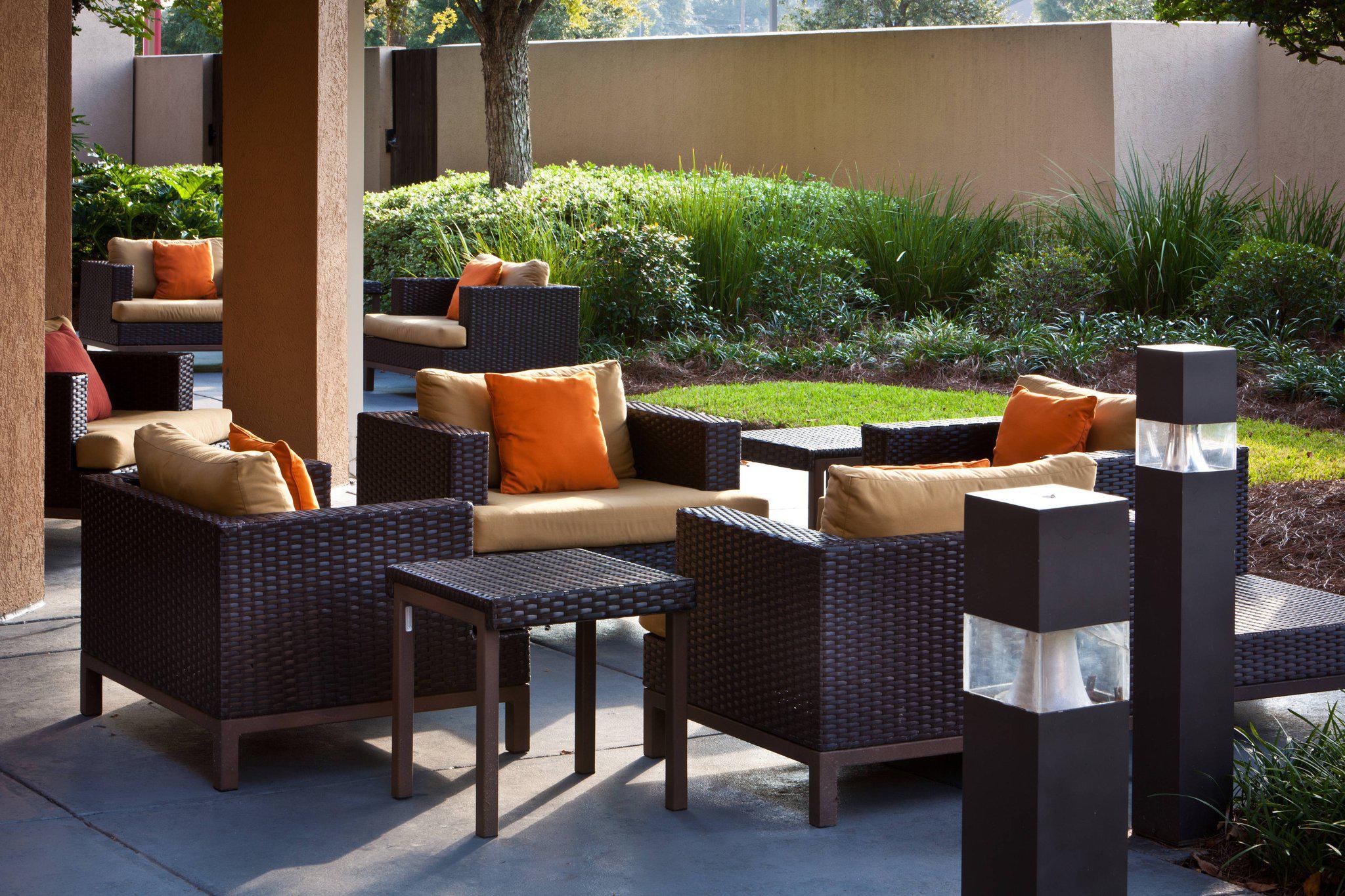 Courtyard by Marriott Baton Rouge Siegen Lane