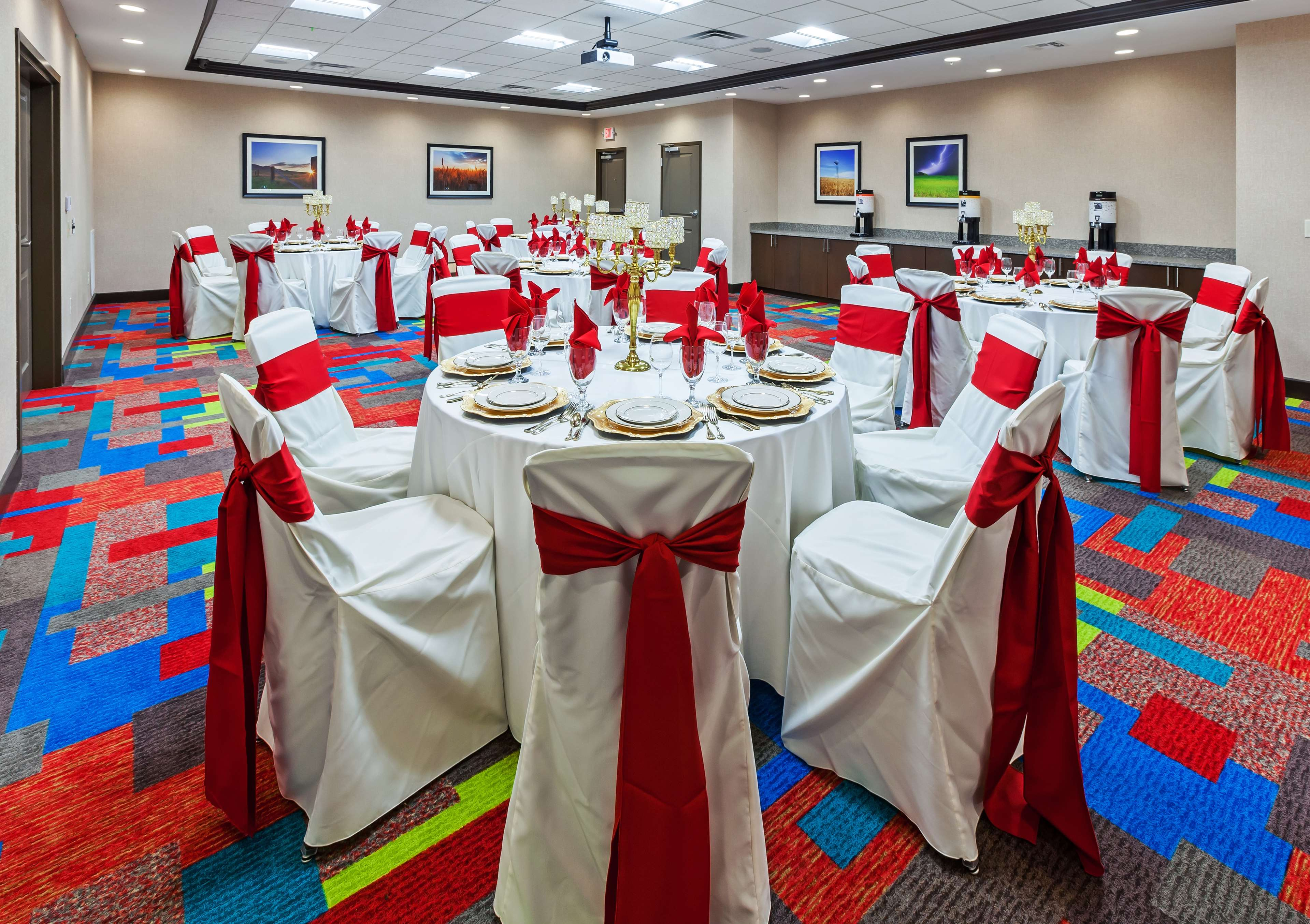 Hampton Inn & Suites Claremore image 34