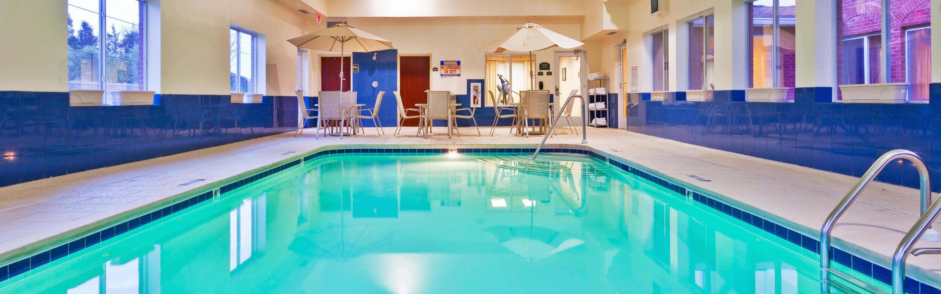 Holiday Inn Express Dickson image 2