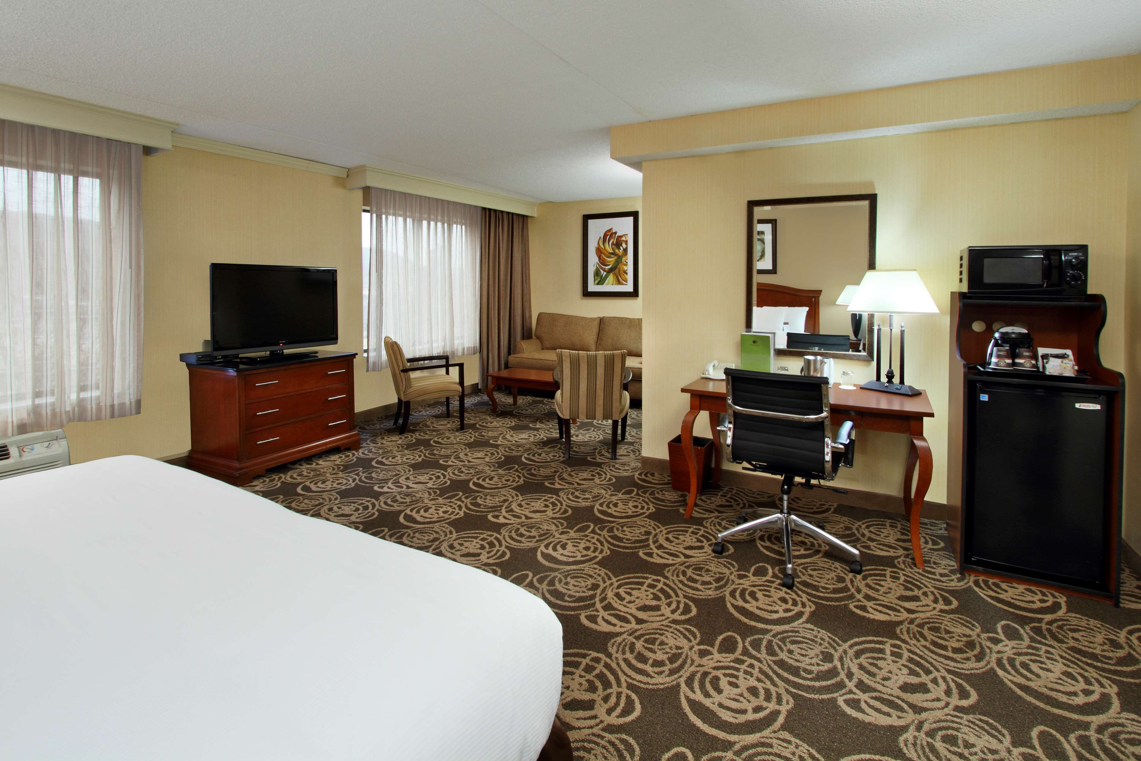 DoubleTree by Hilton Hotel Mahwah image 21