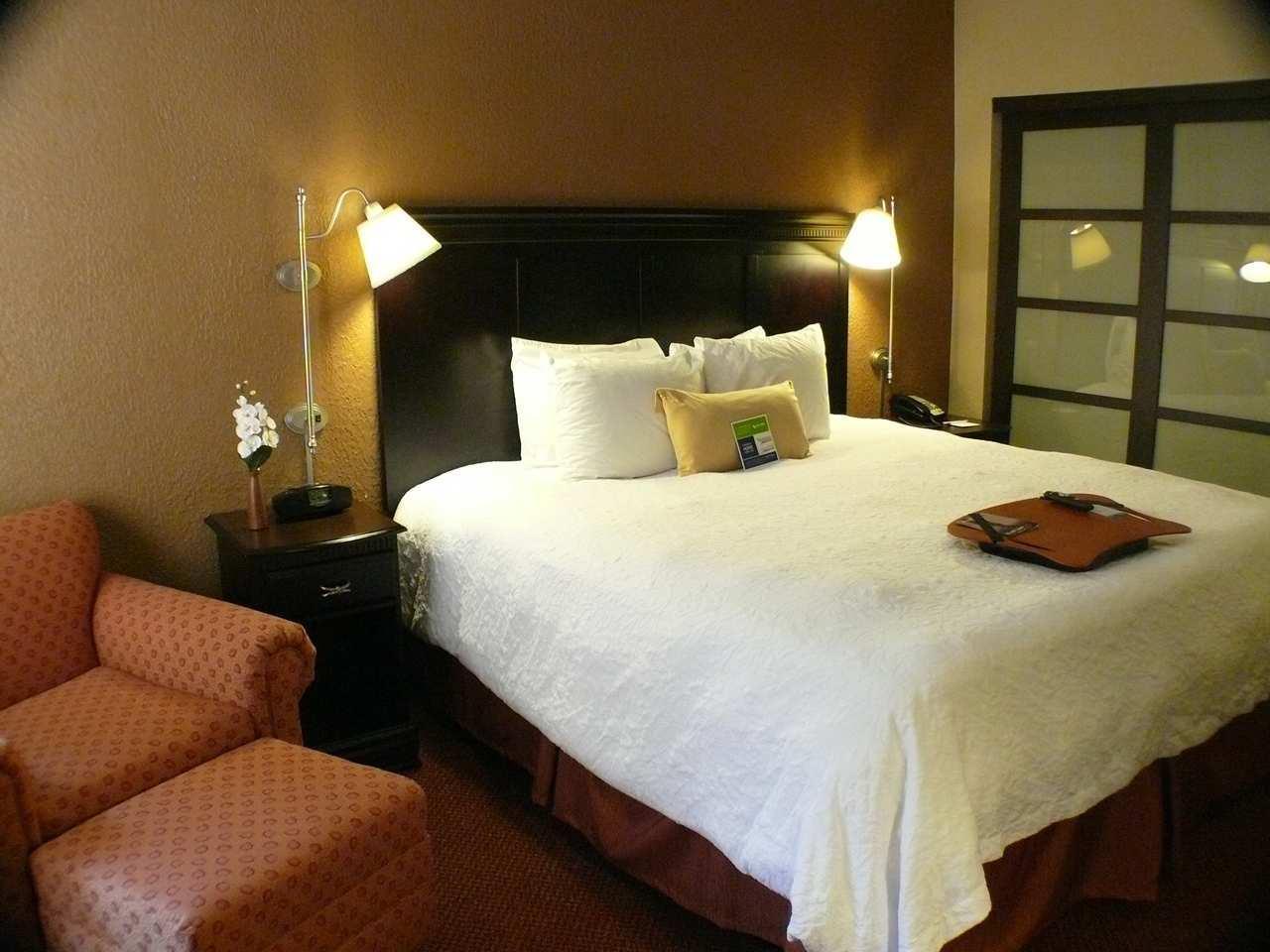 Hampton Inn & Suites Chicago/Hoffman Estates image 12