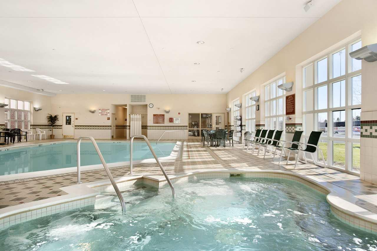 Hampton Inn & Suites Providence/Warwick-Airport image 4