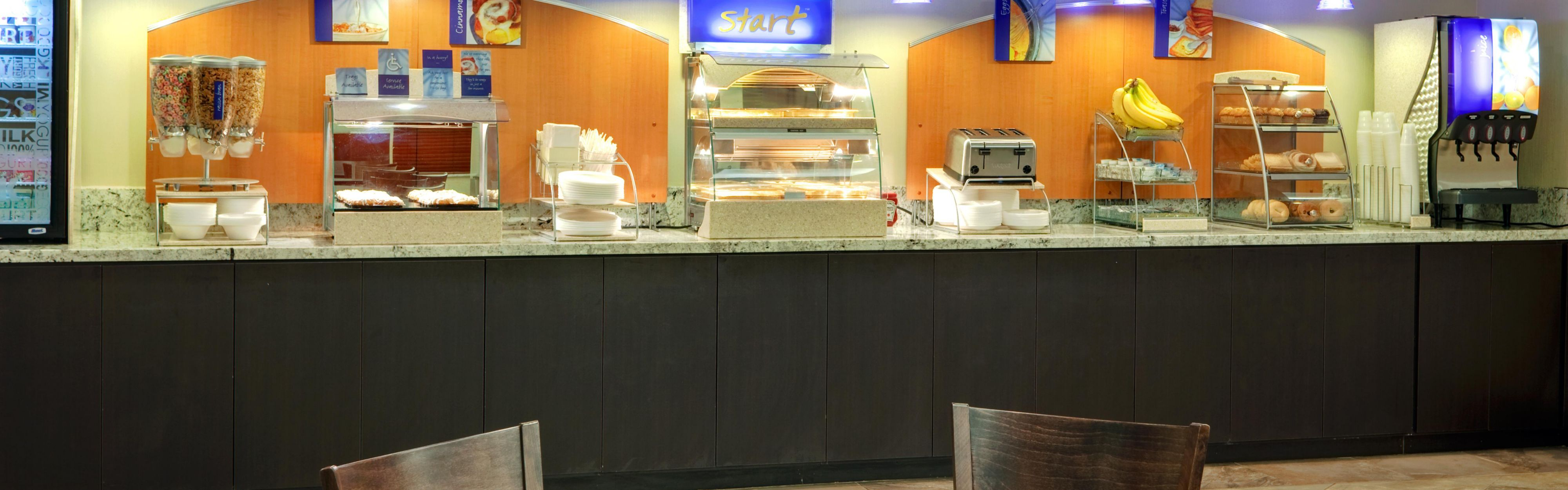 Holiday Inn Express & Suites Albuquerque Airport image 3