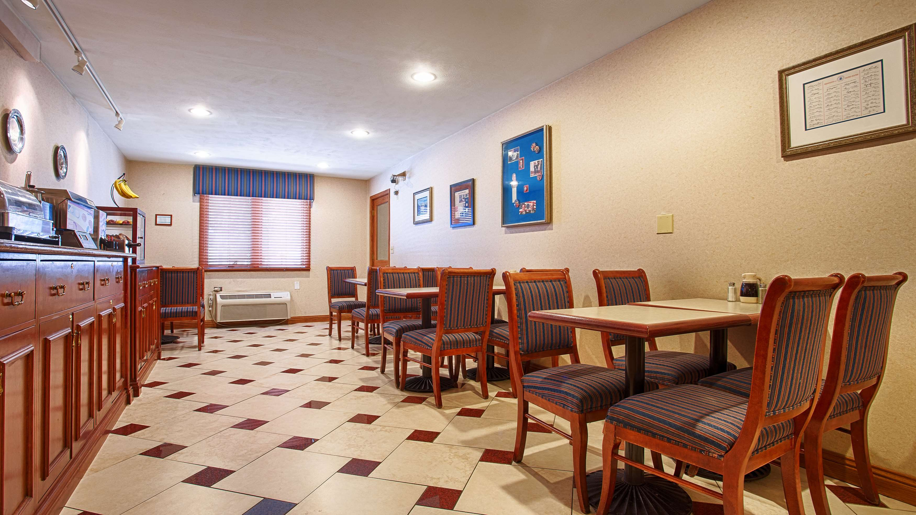 SureStay Plus Hotel by Best Western Omaha South image 8