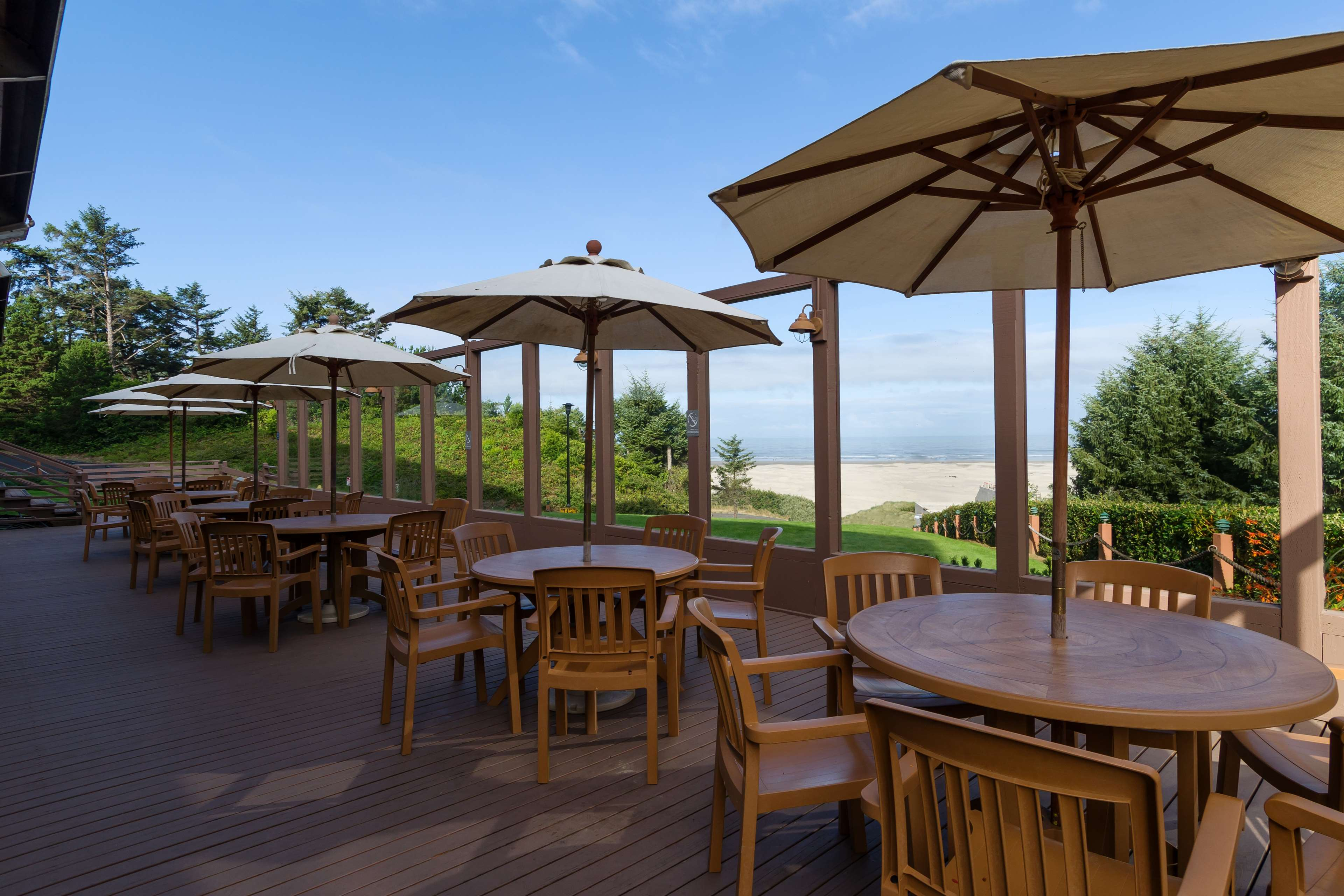 Best Western Agate Beach Inn image 26
