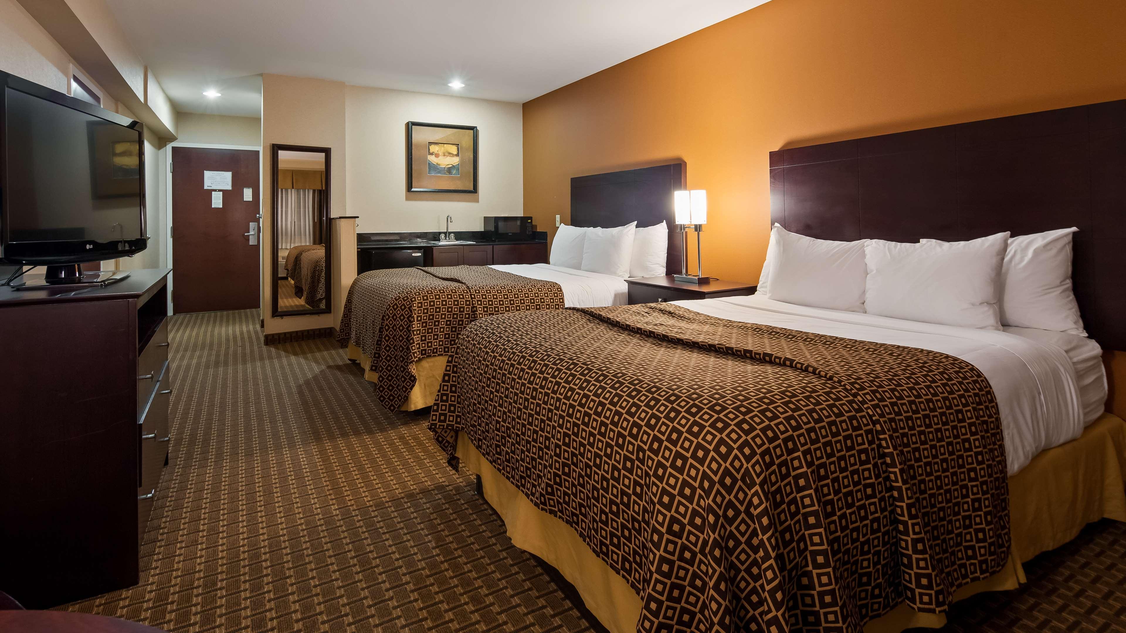 Best Western Concord Inn & Suites image 15