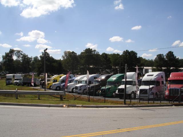 Arrow Truck Sales image 2