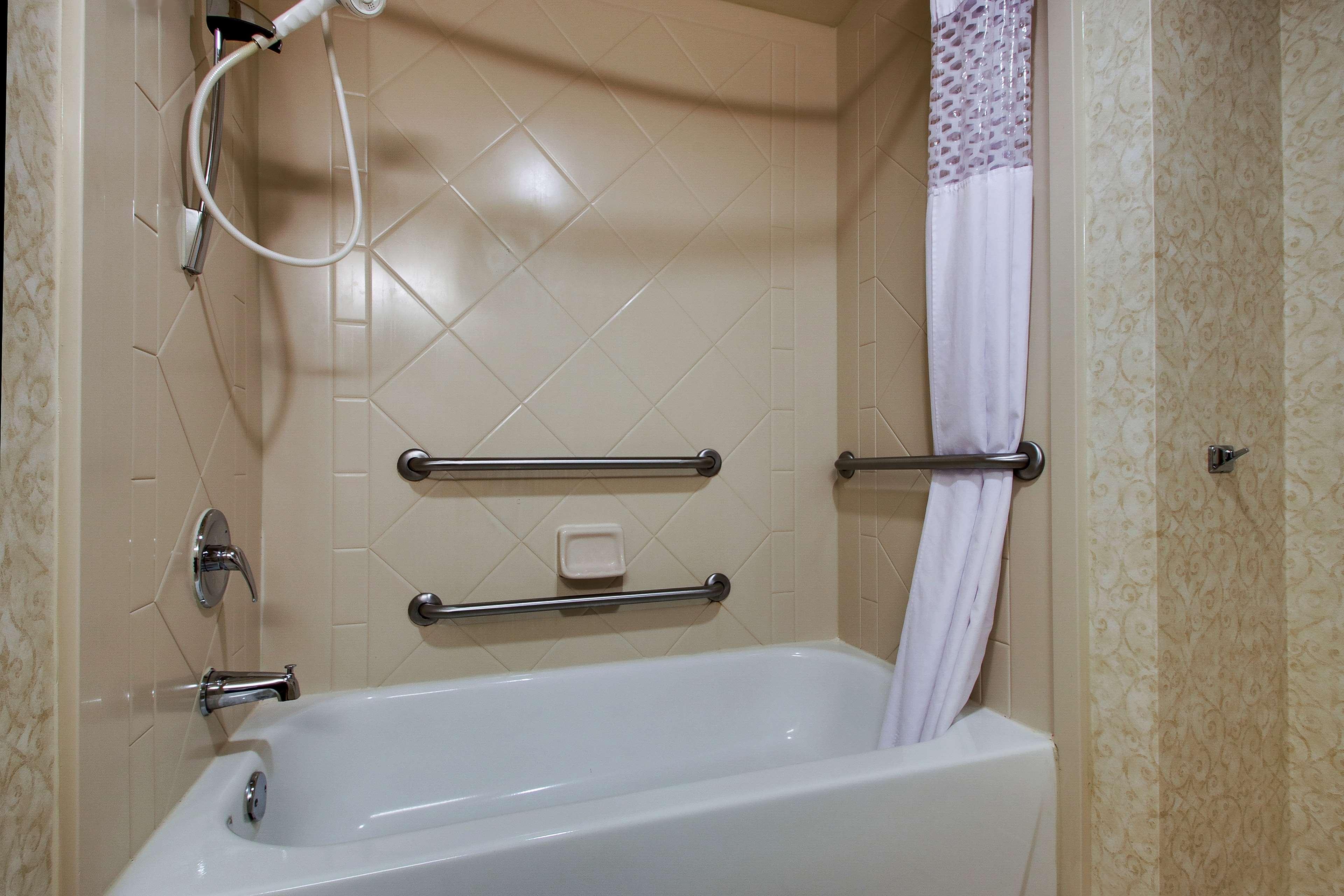 Hampton Inn & Suites Spartanburg-I-26-Westgate Mall image 32