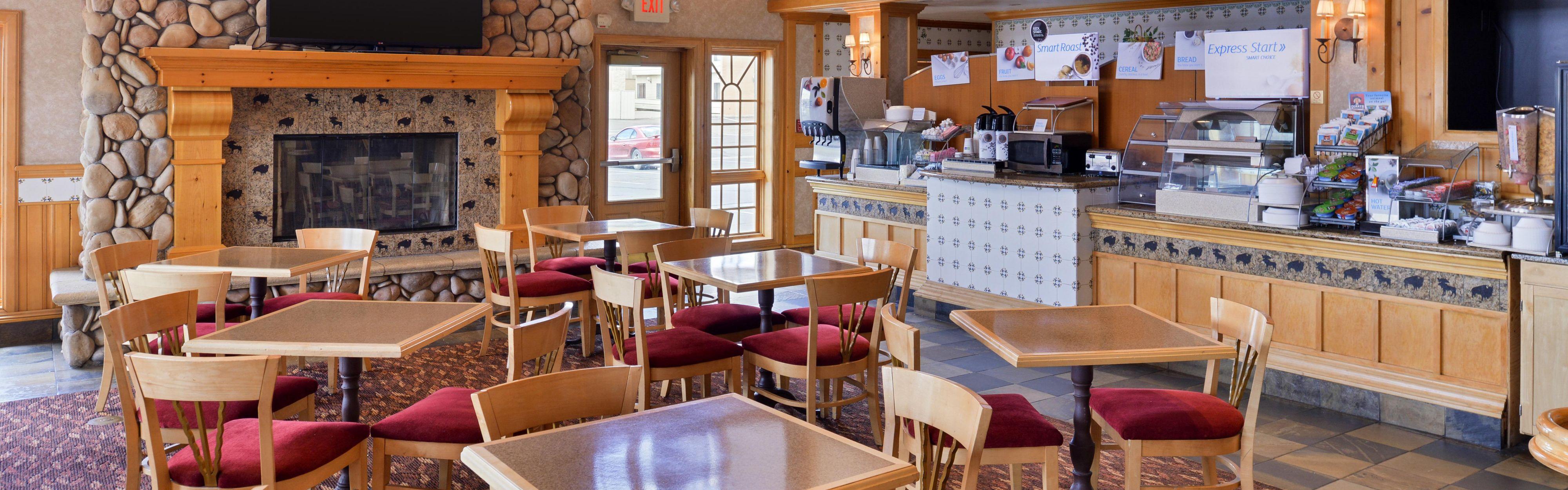 Holiday Inn Express & Suites Elko image 2