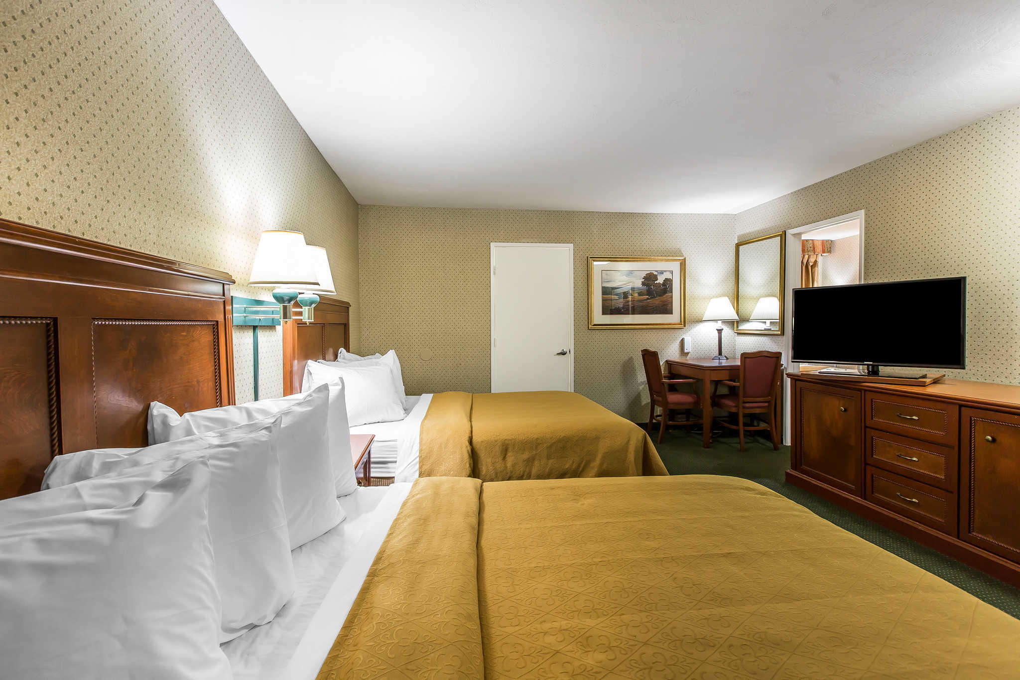 Quality Inn Near China Lake Naval Station image 25