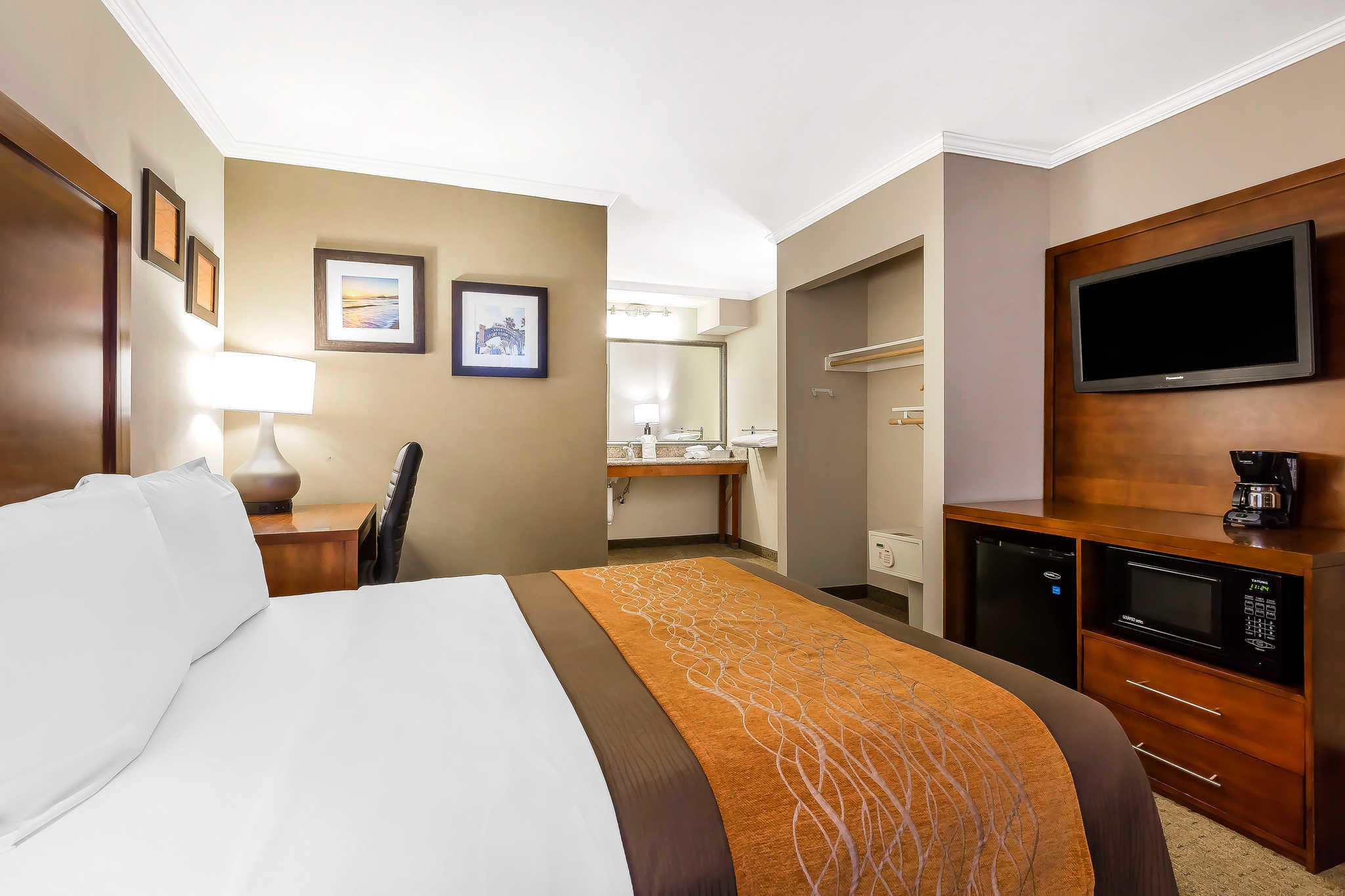 Comfort Inn Santa Monica - West Los Angeles image 13