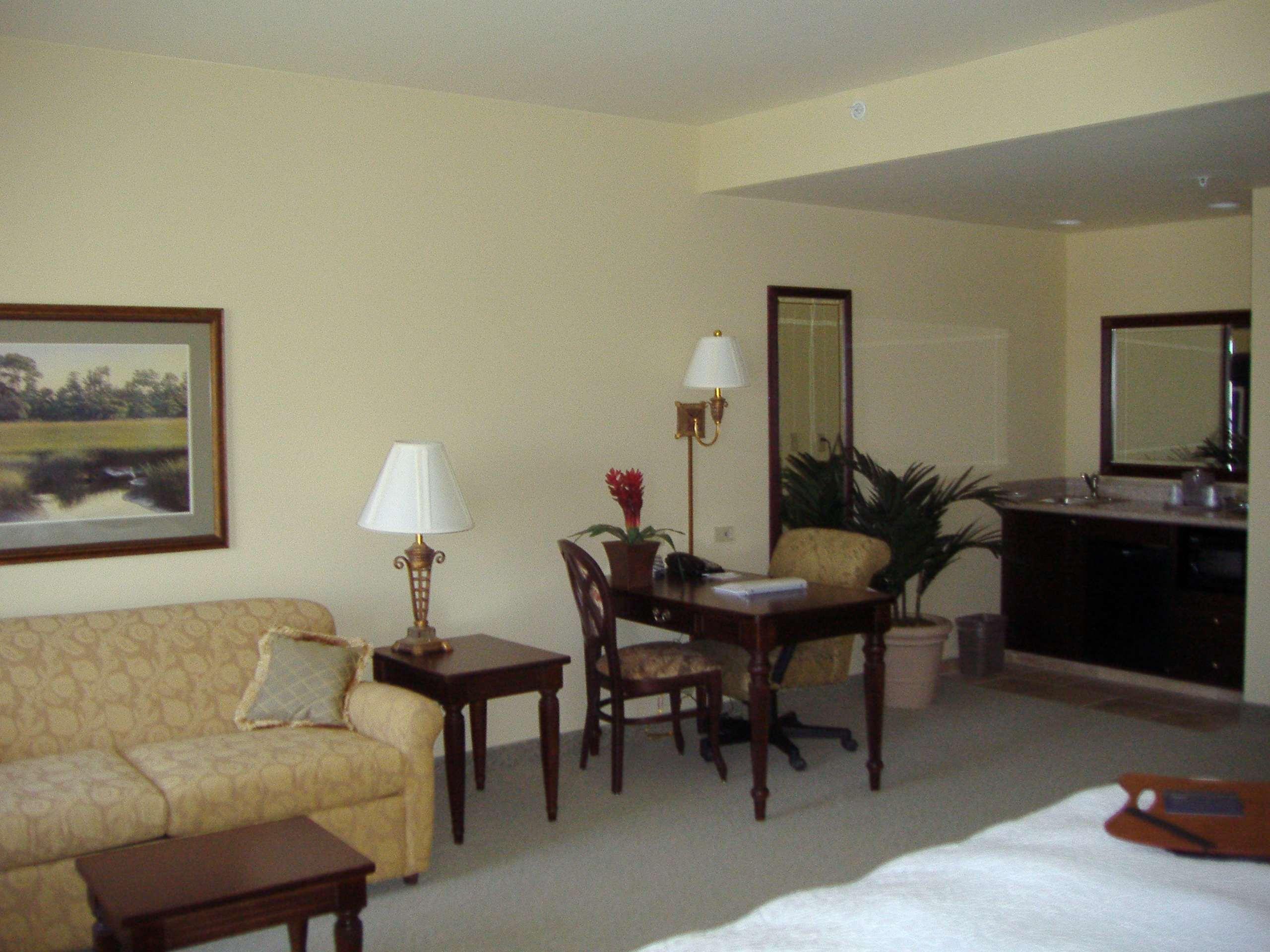 Hampton Inn & Suites Savannah Historic District image 32