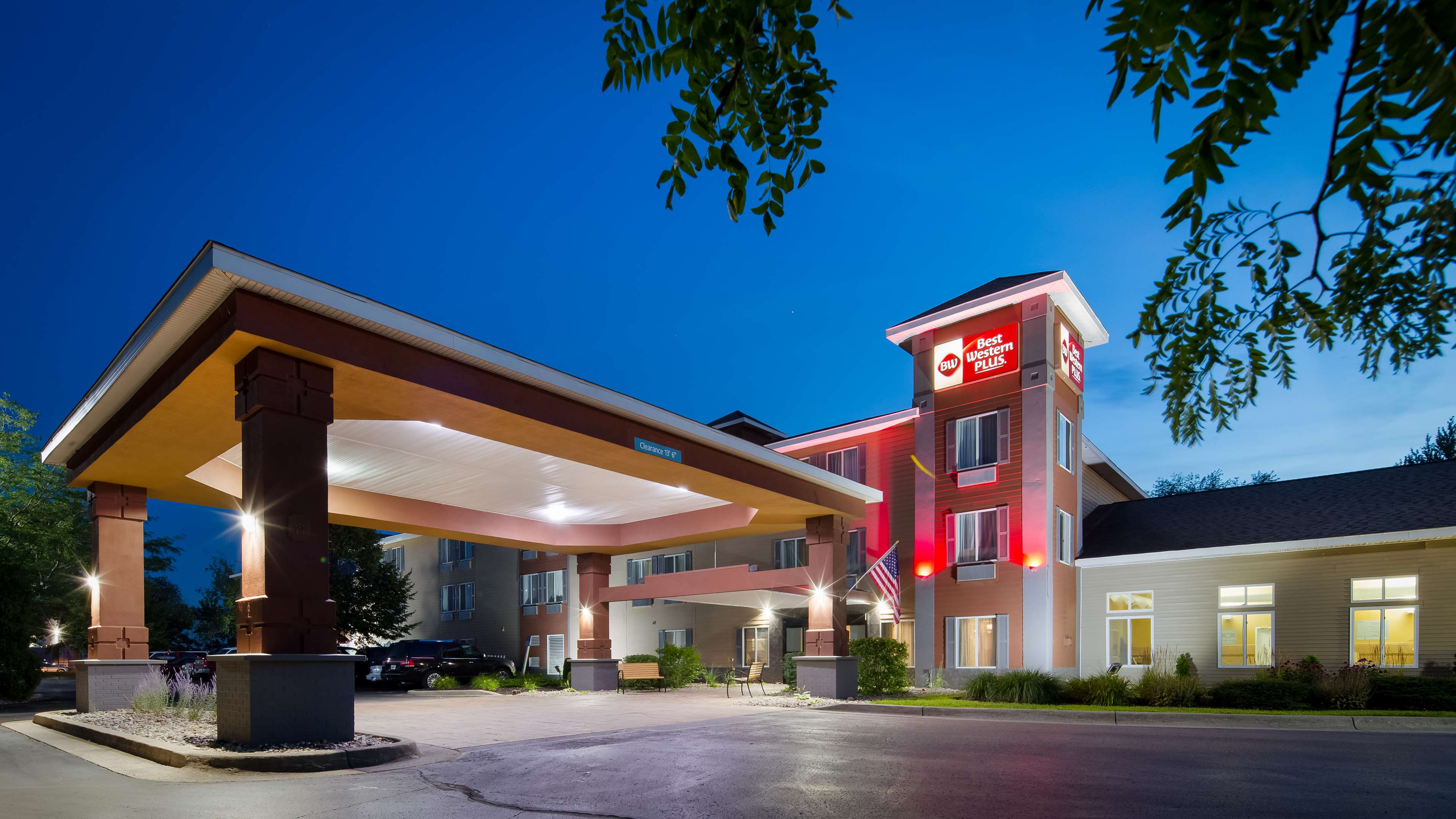 Best Western Plus Coldwater Hotel image 1