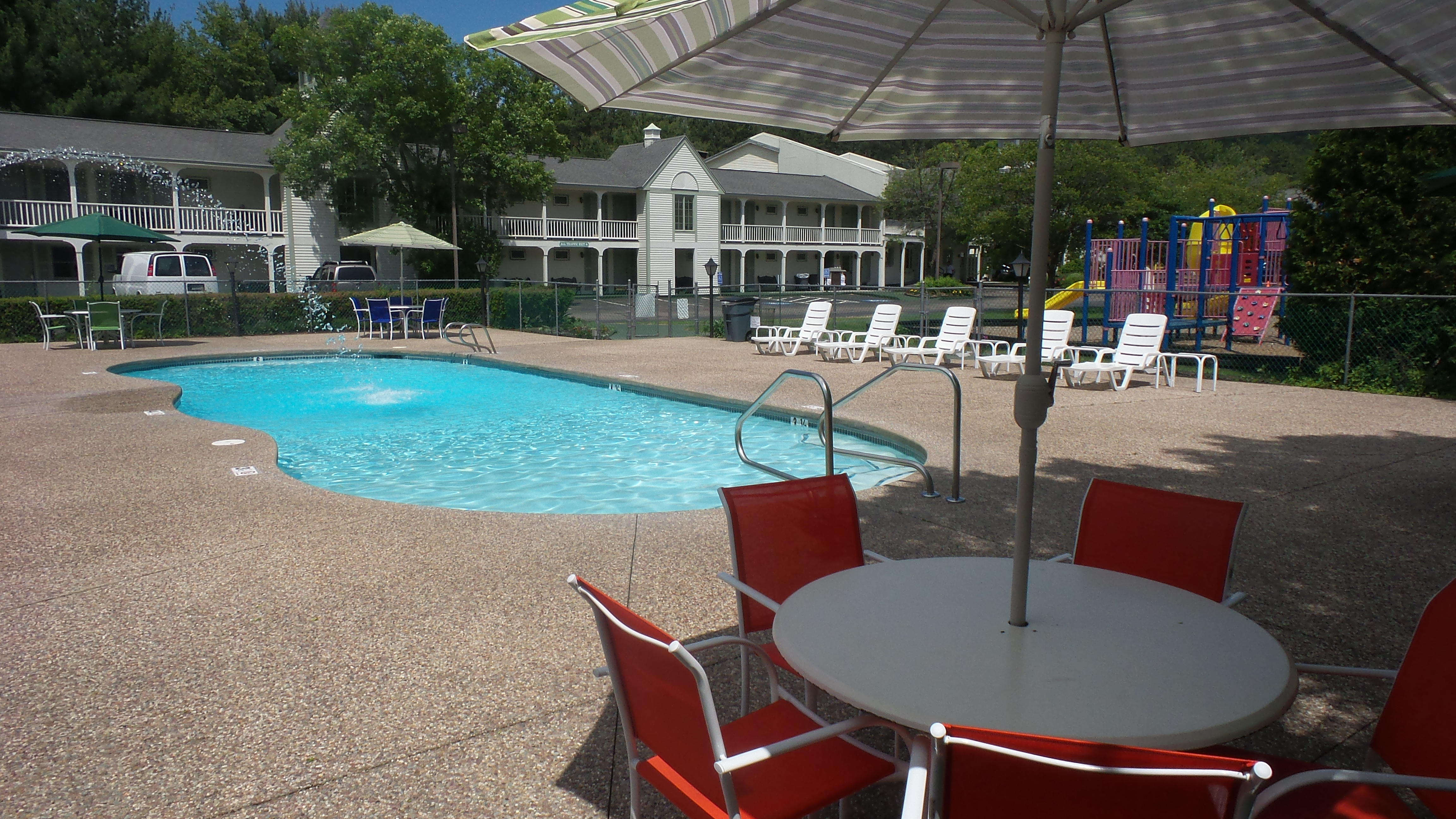 New Hampshire Hotels With Indoor Pools