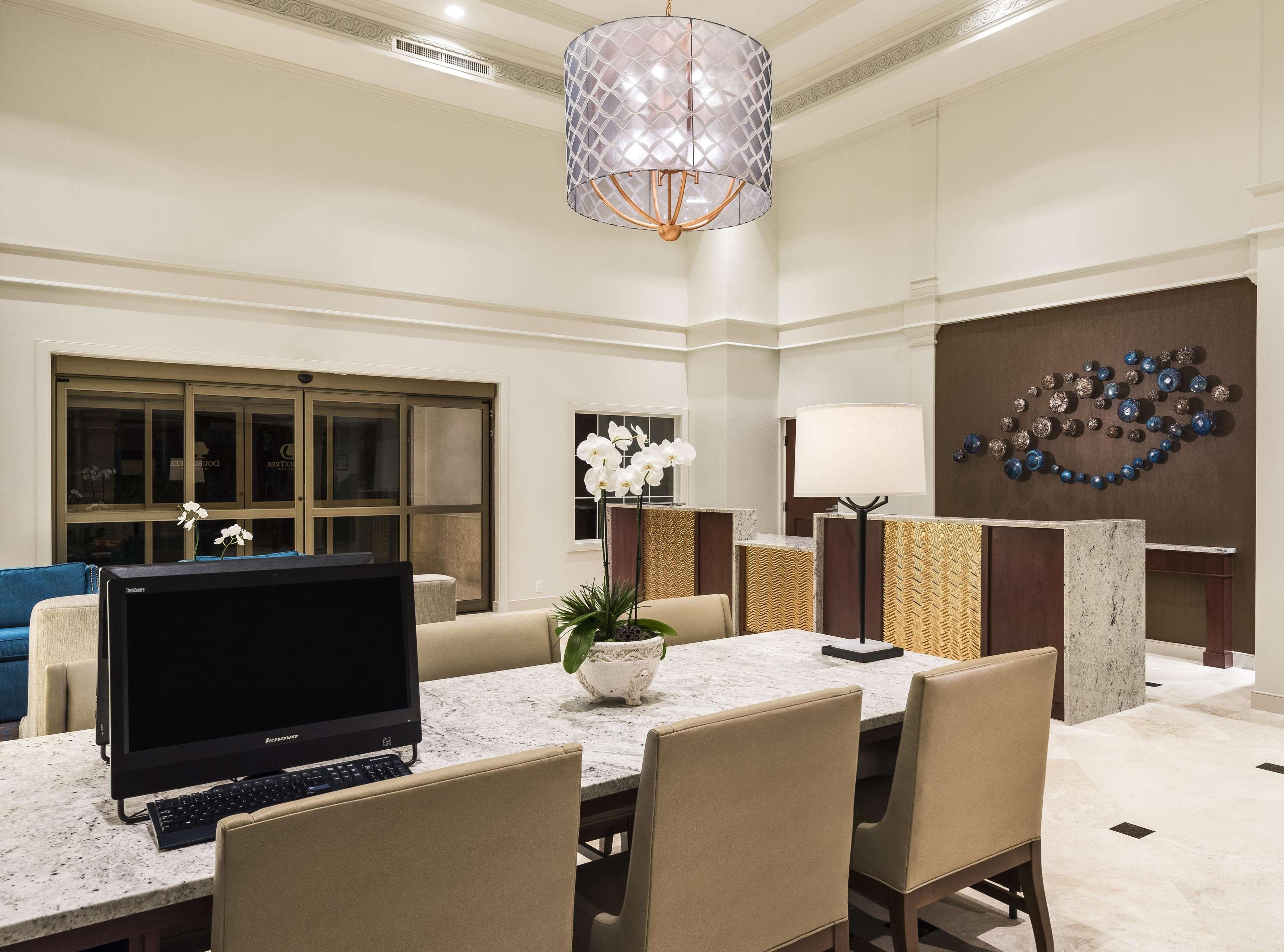 DoubleTree Suites by Hilton Hotel Naples image 6