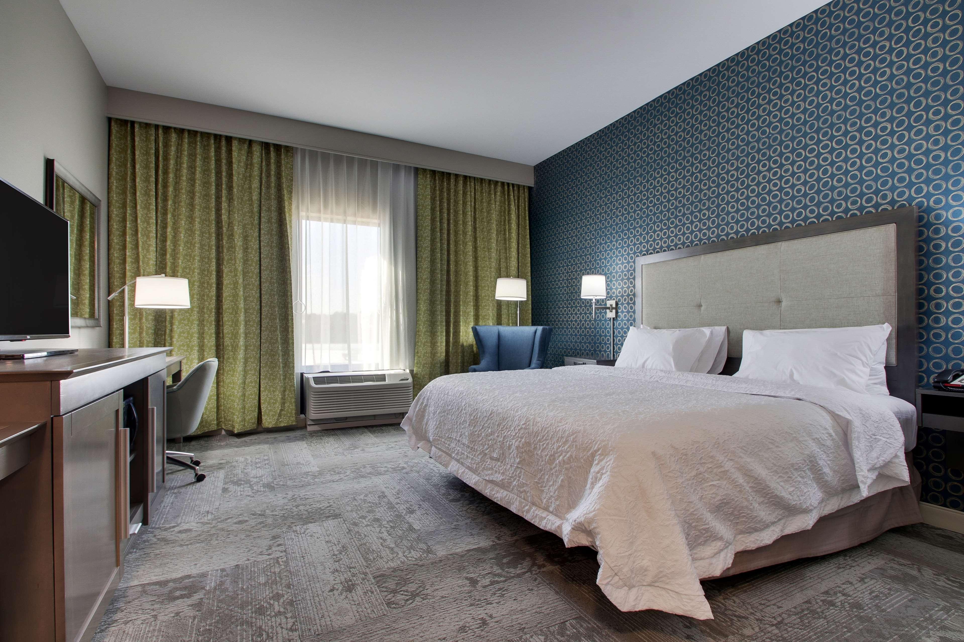 Hampton Inn & Suites Knightdale Raleigh image 16