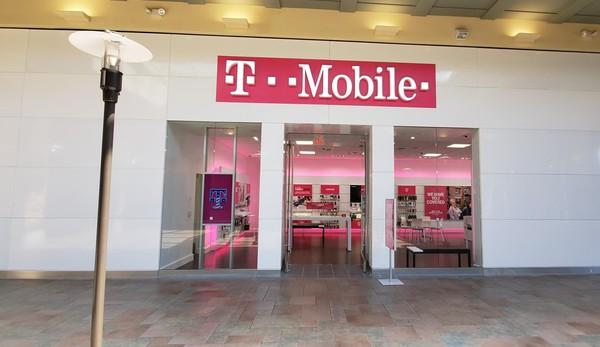 Exterior photo of T-Mobile Store at Lansing Mall 3, Lansing, MI
