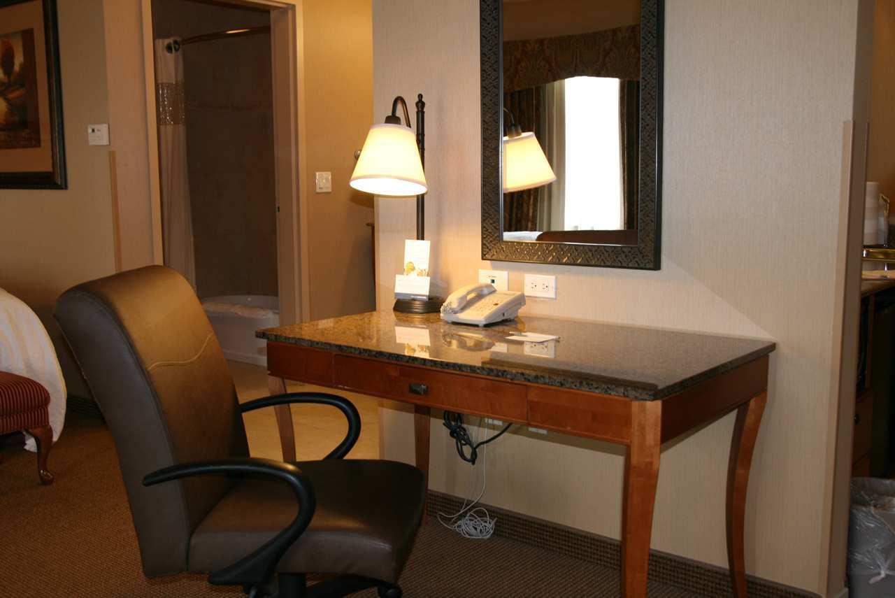 Hampton Inn & Suites Salt Lake City-West Jordan image 24