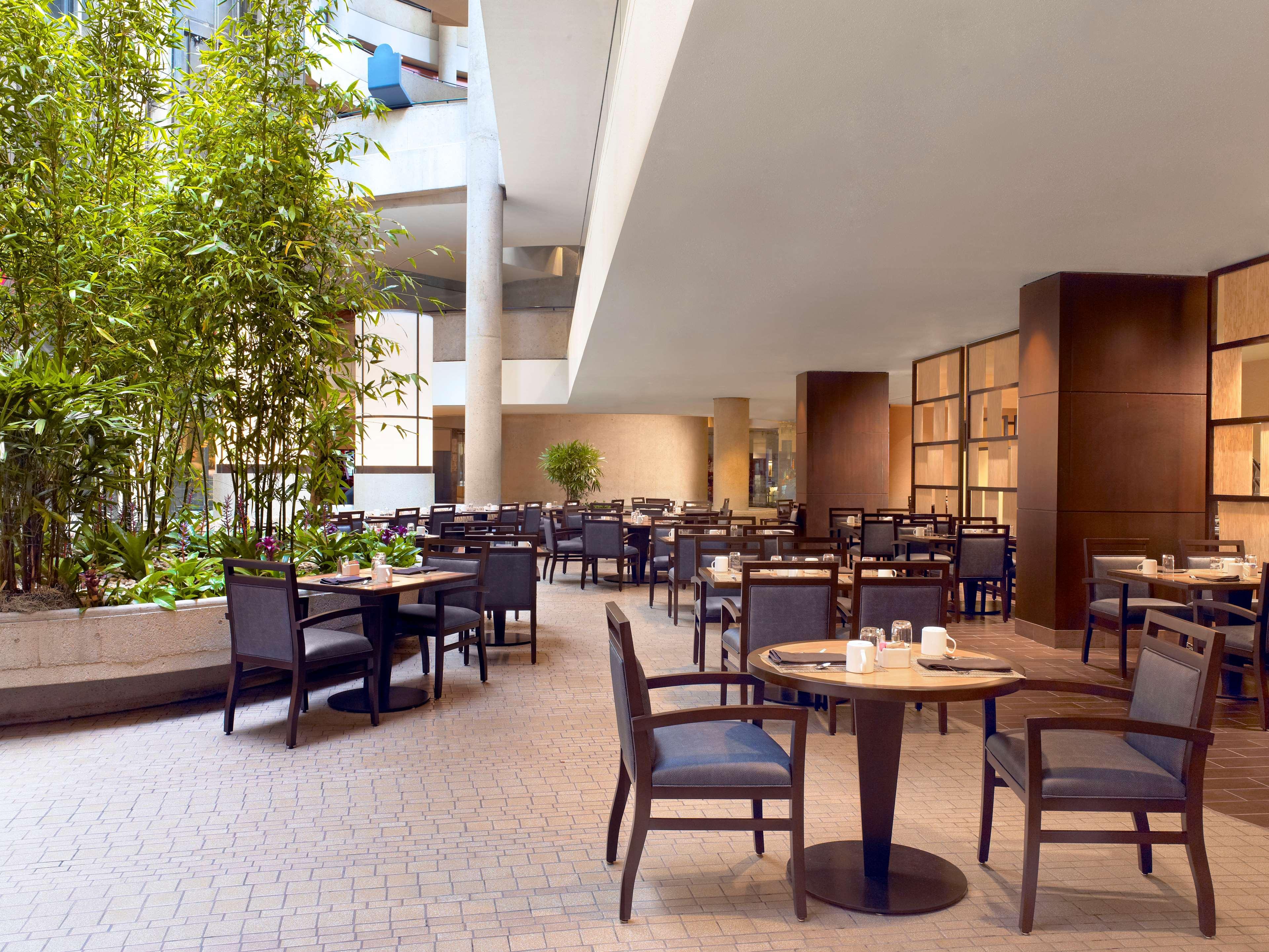 The Westin Bonaventure Hotel & Suites, Los Angeles image 24