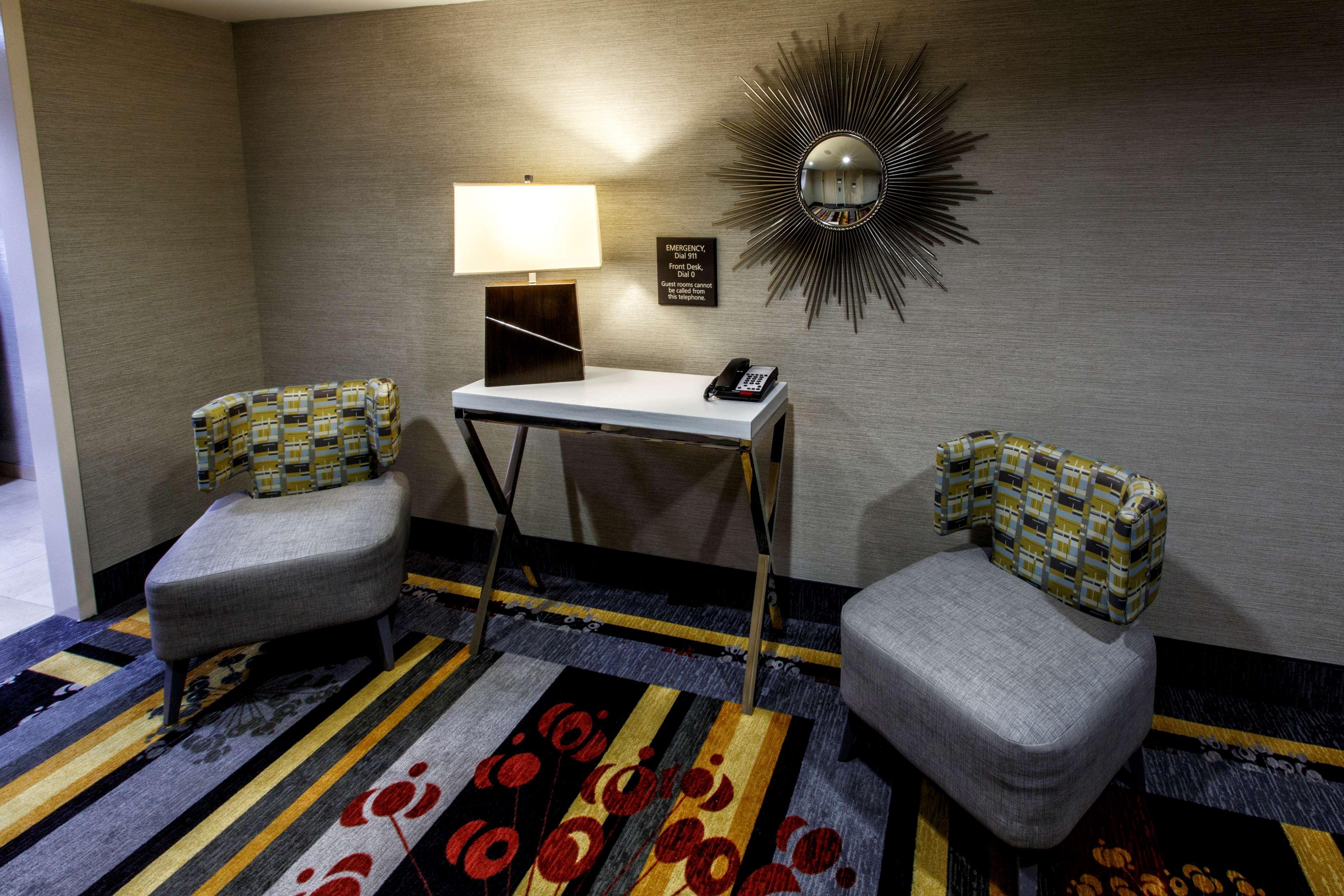 Hampton Inn & Suites Staten Island image 6