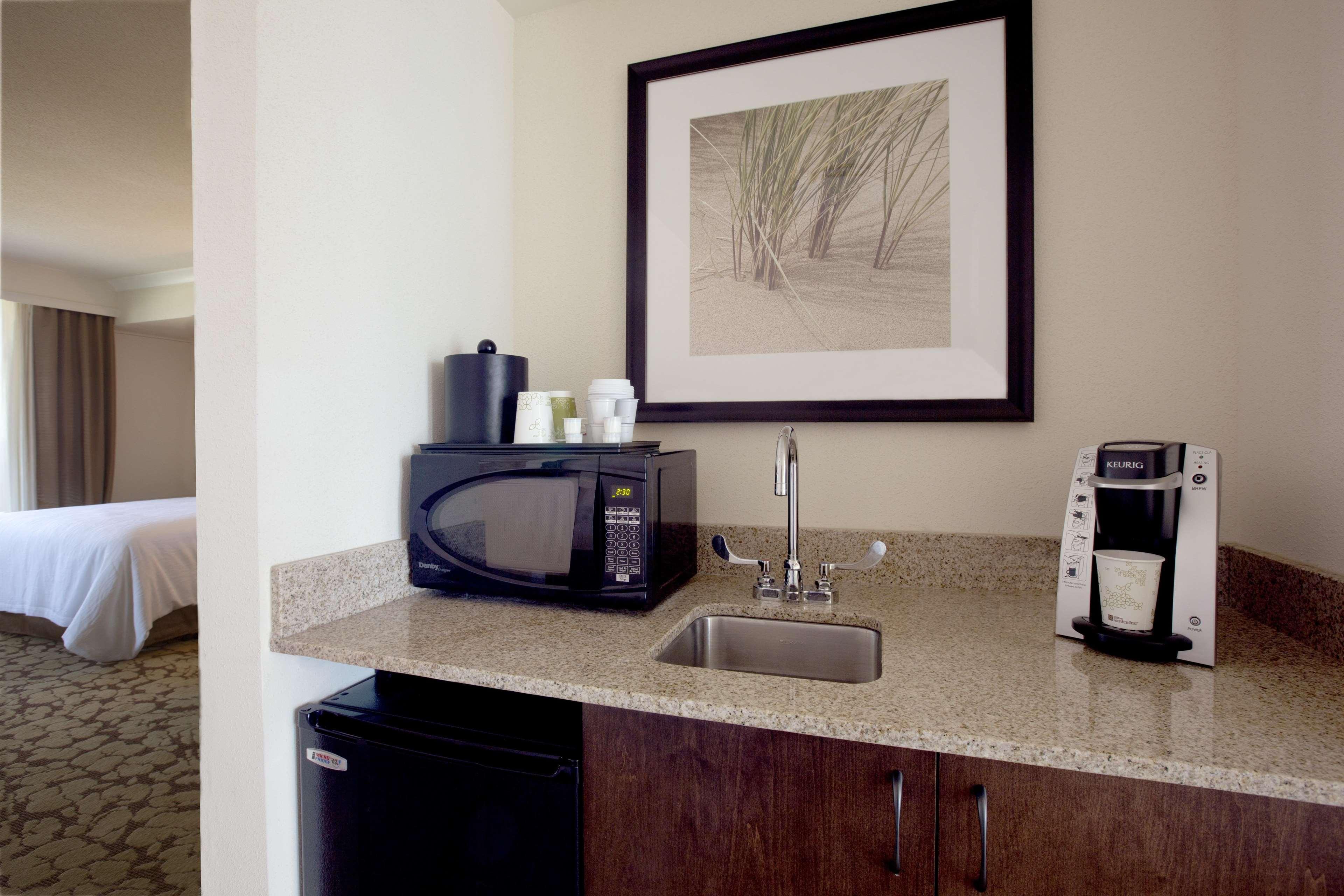 Hilton Garden Inn Virginia Beach Oceanfront image 26