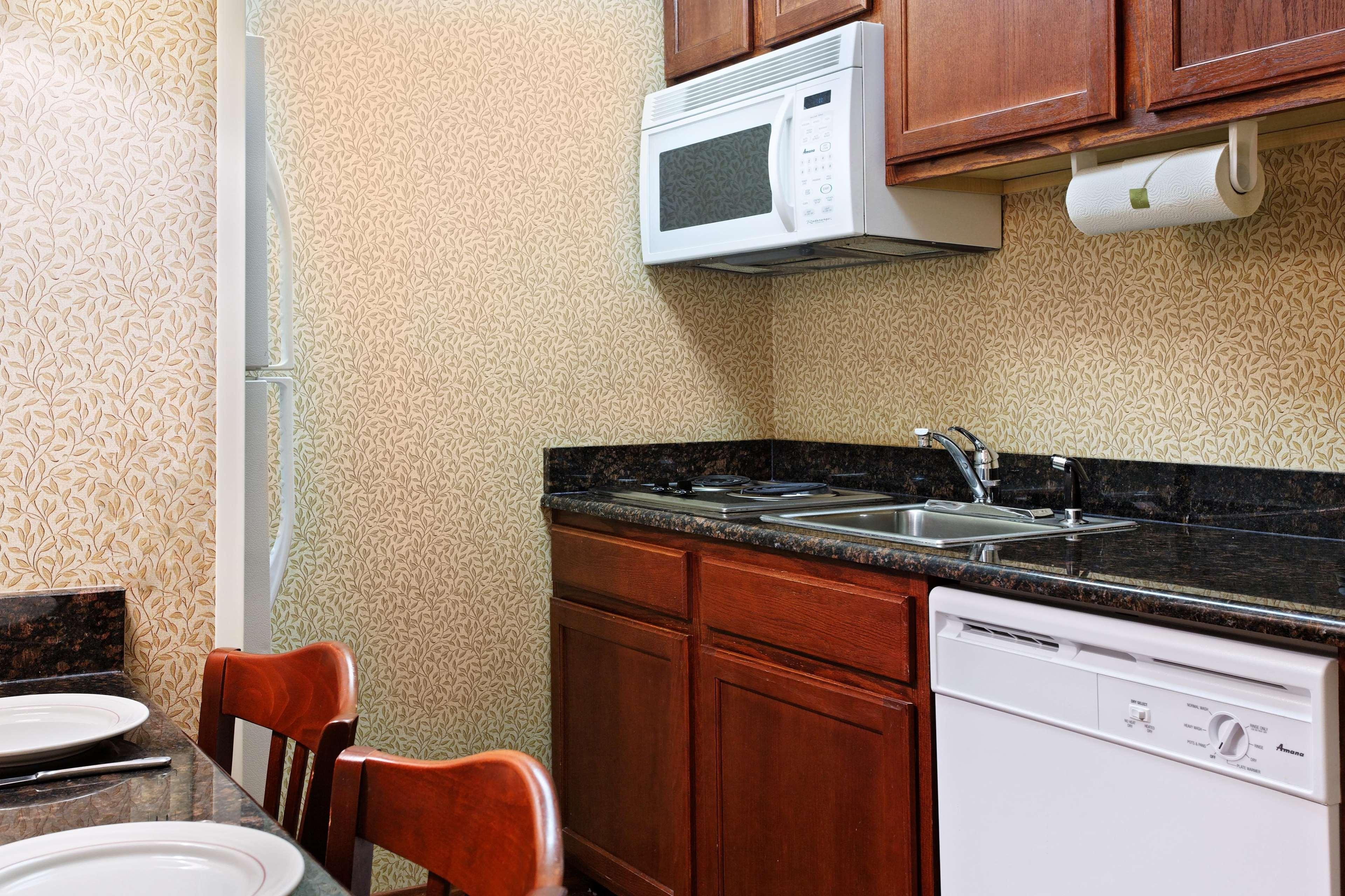 Homewood Suites by Hilton Richmond-Chester image 6
