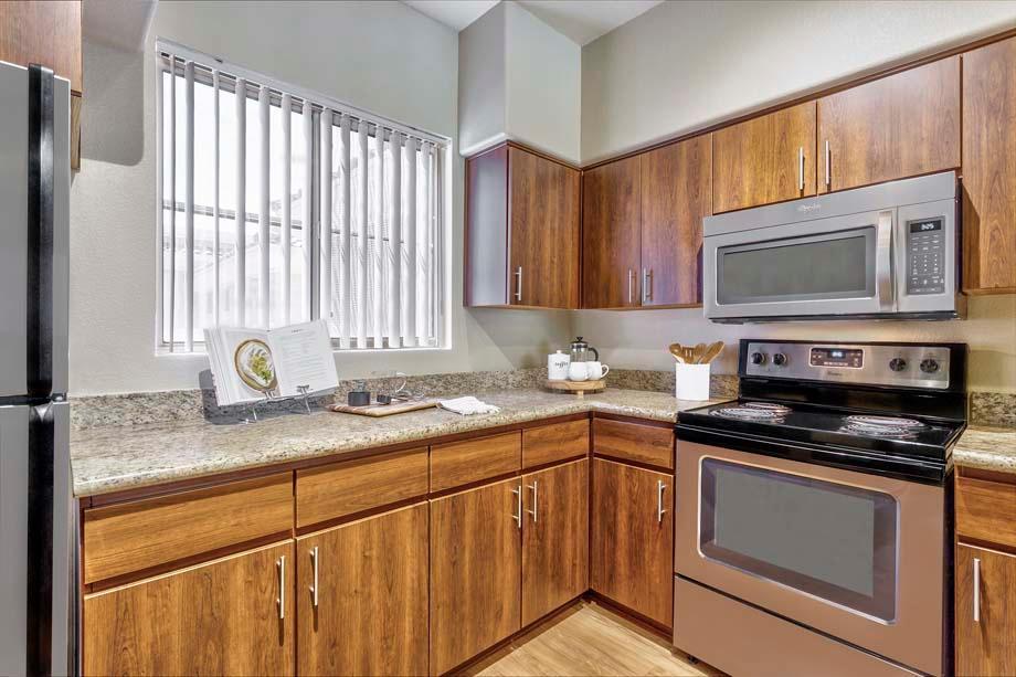 Camden Montierra Apartments image 1