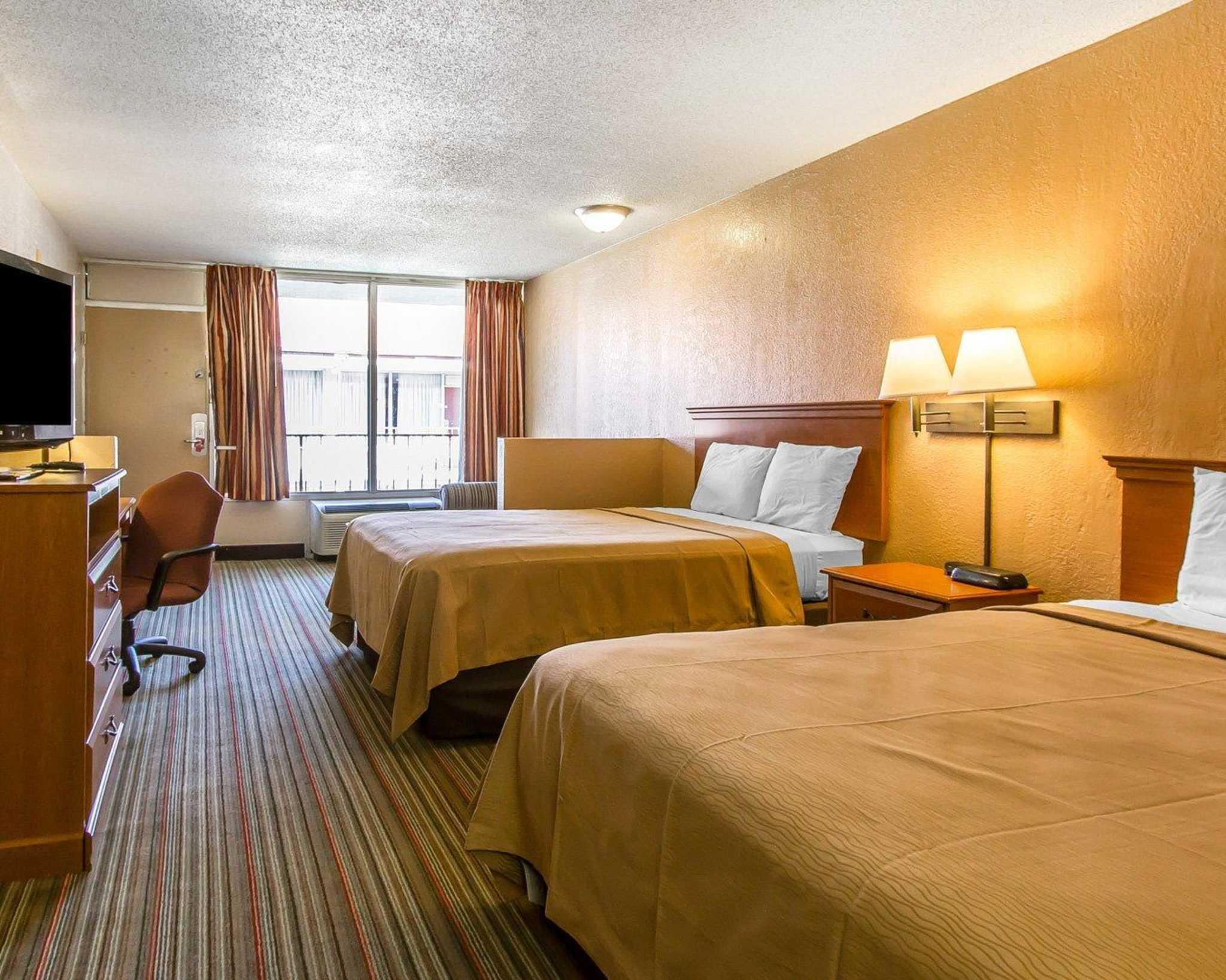 Econo Lodge  Inn & Suites Near Bricktown image 33