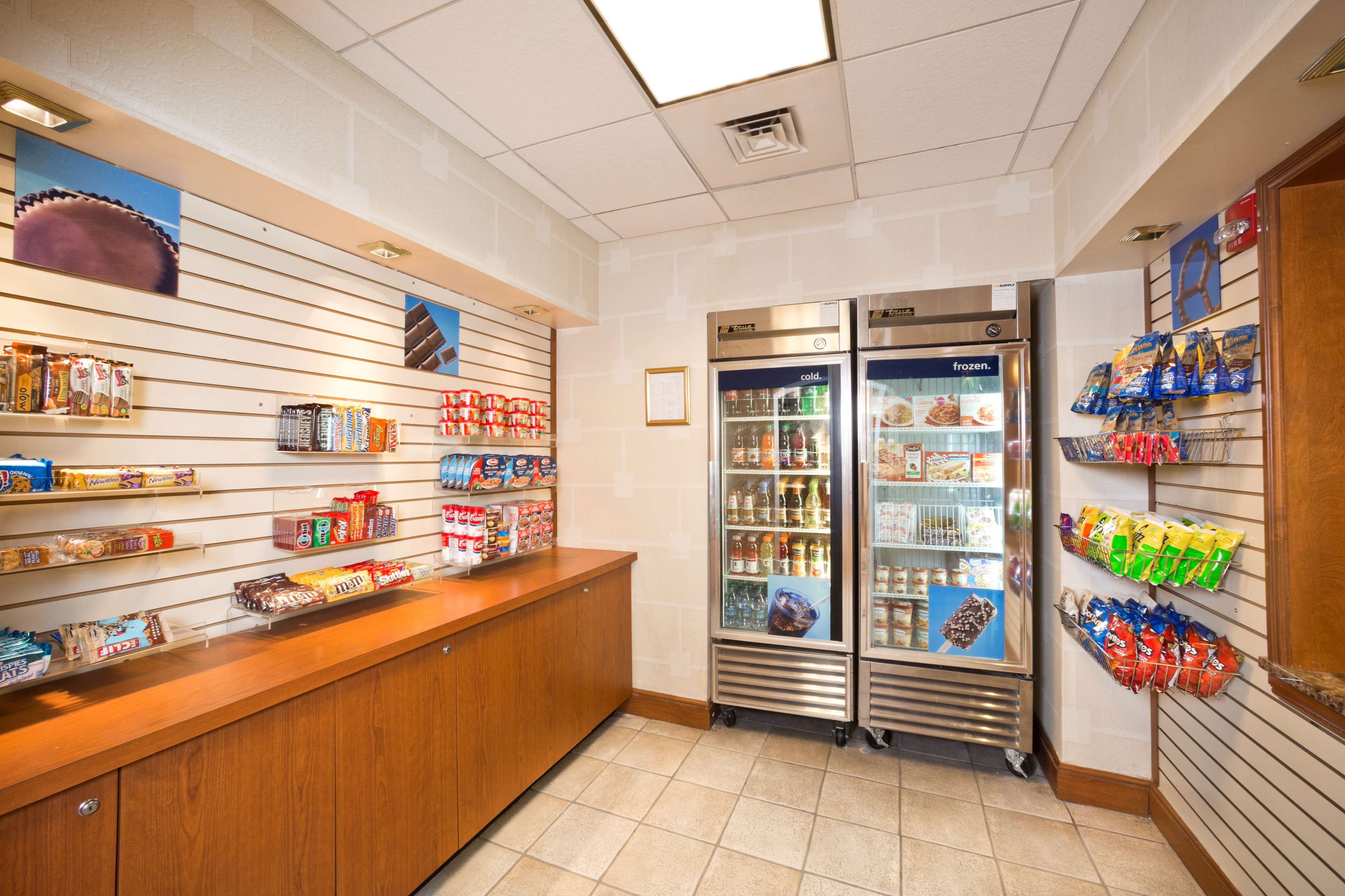 Hampton Inn & Suites Arundel Mills/Baltimore image 6