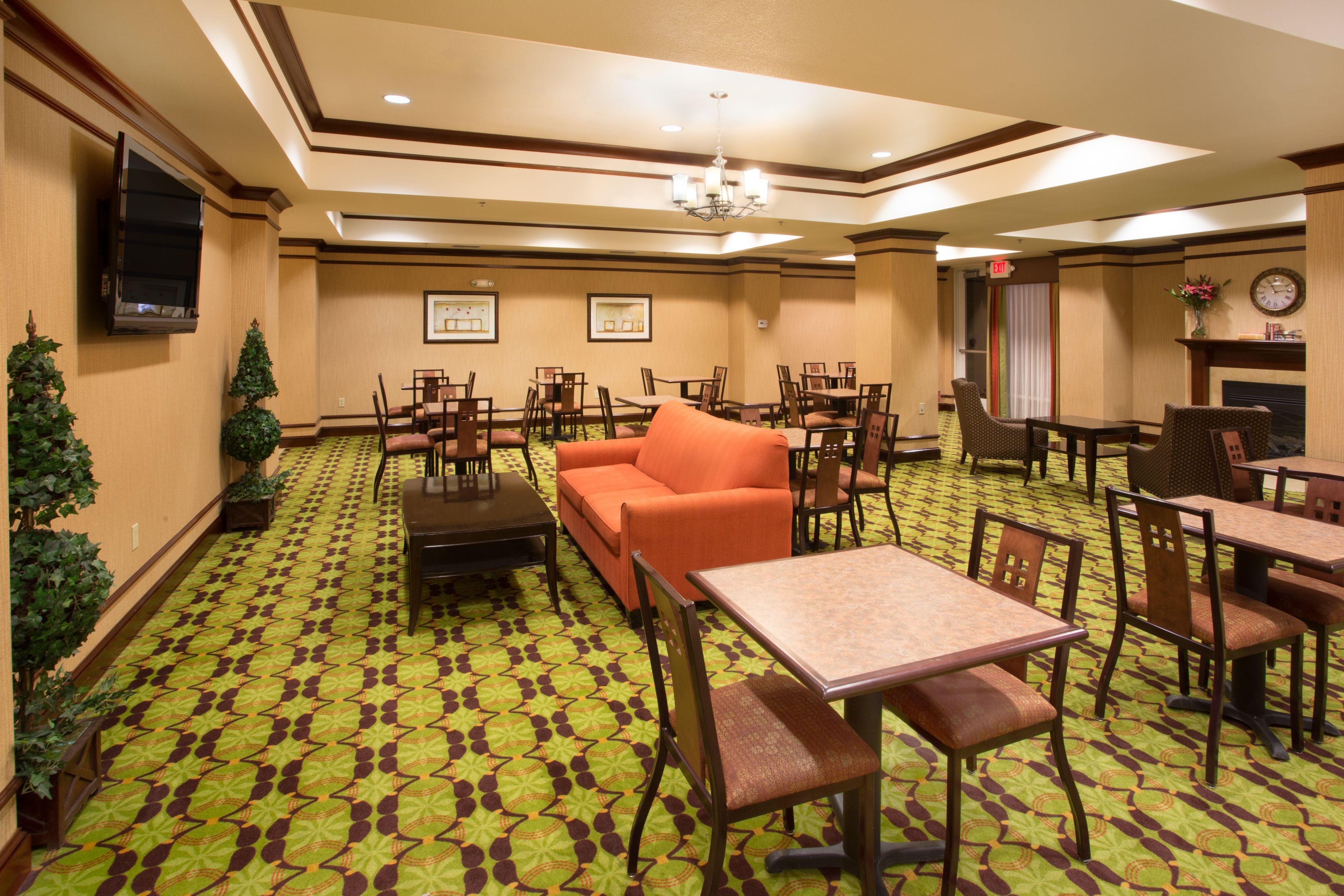 Holiday Inn Express Yreka-Shasta Area image 6